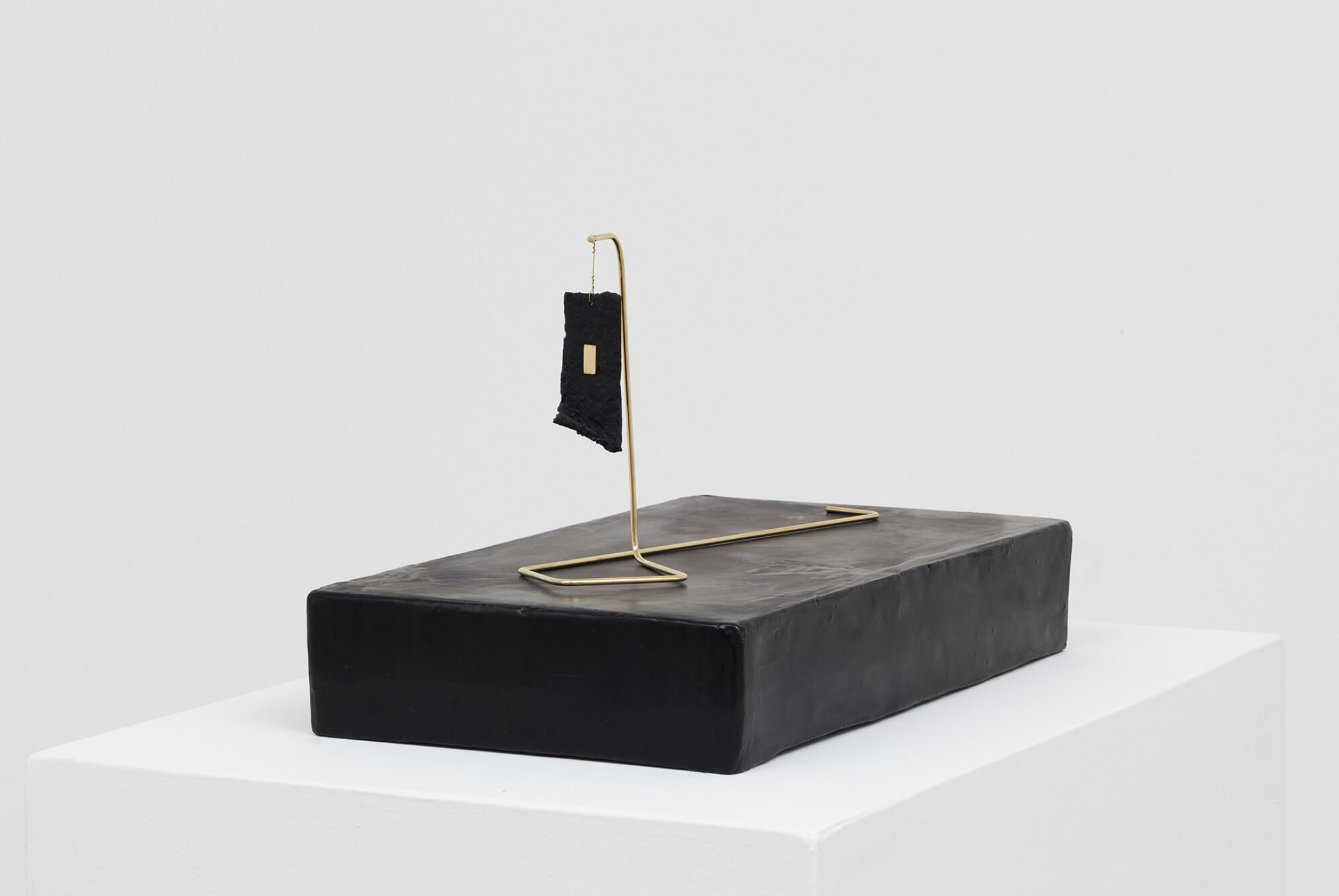 Paloma Bosquê, <em>Piece #1</em>, 2016, dyed bee wax shaped in block form, brass rods and cotton paper waxed, 6,53 × 40,5 × 22 cm | 17 × 32 × 8,5 cm  - Mendes Wood DM