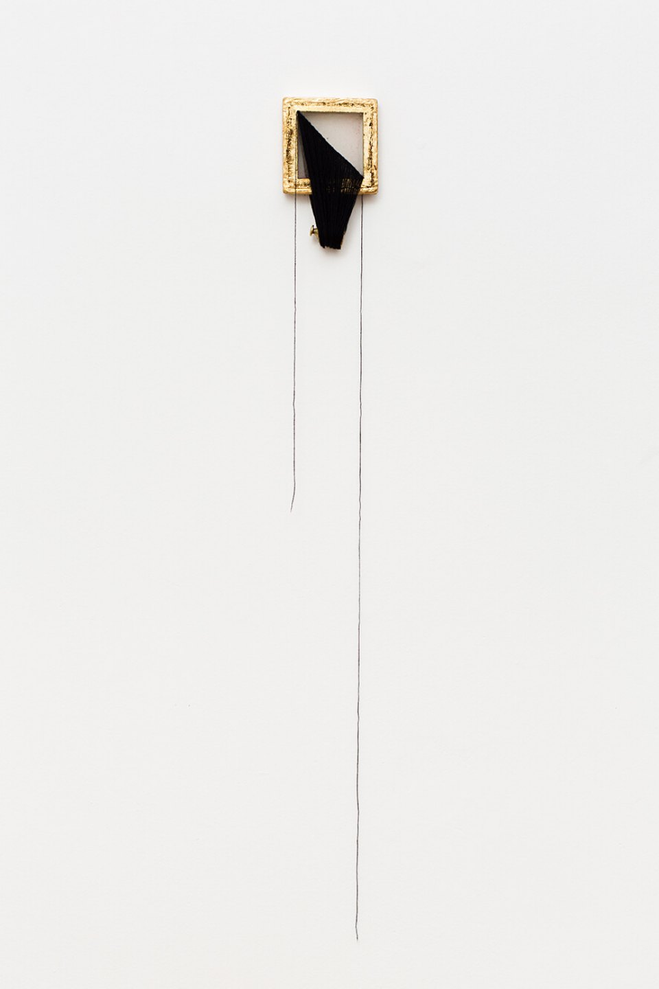 Paloma Bosquê, <em>untitled #2</em>, 2012/2013, frame used to make handmade paper, golden sheet, wool and scale weight, 90 × 13,5 cm - Mendes Wood DM