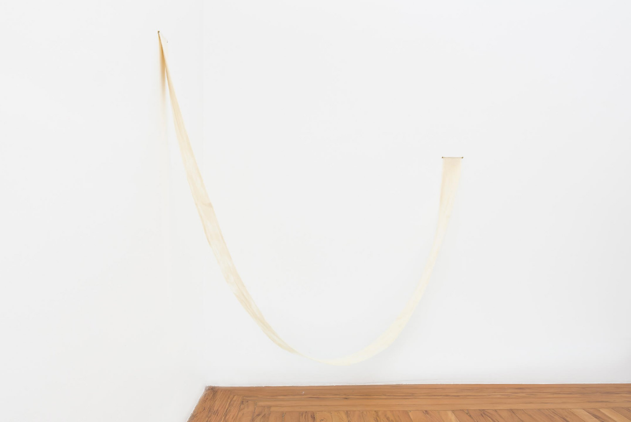 Paloma Bosquê, <em>Being #6</em>, 2015, wool felted by hand, dyed bee wax and brass holder, 358 × 15 cm - Mendes Wood DM