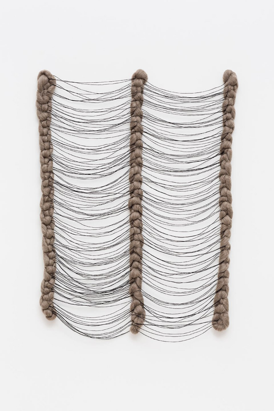 Paloma Bosquê, <em>Lapse #3</em>, 2015, wool and threads, 95 × 50 × 4 cm - Mendes Wood DM