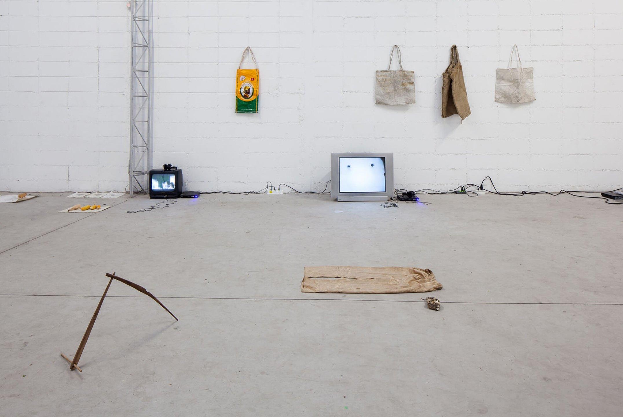Paulo Nazareth,<em>Che Cherera,</em> Mendes Wood DM, São Paulo, 2014 - Mendes Wood DM