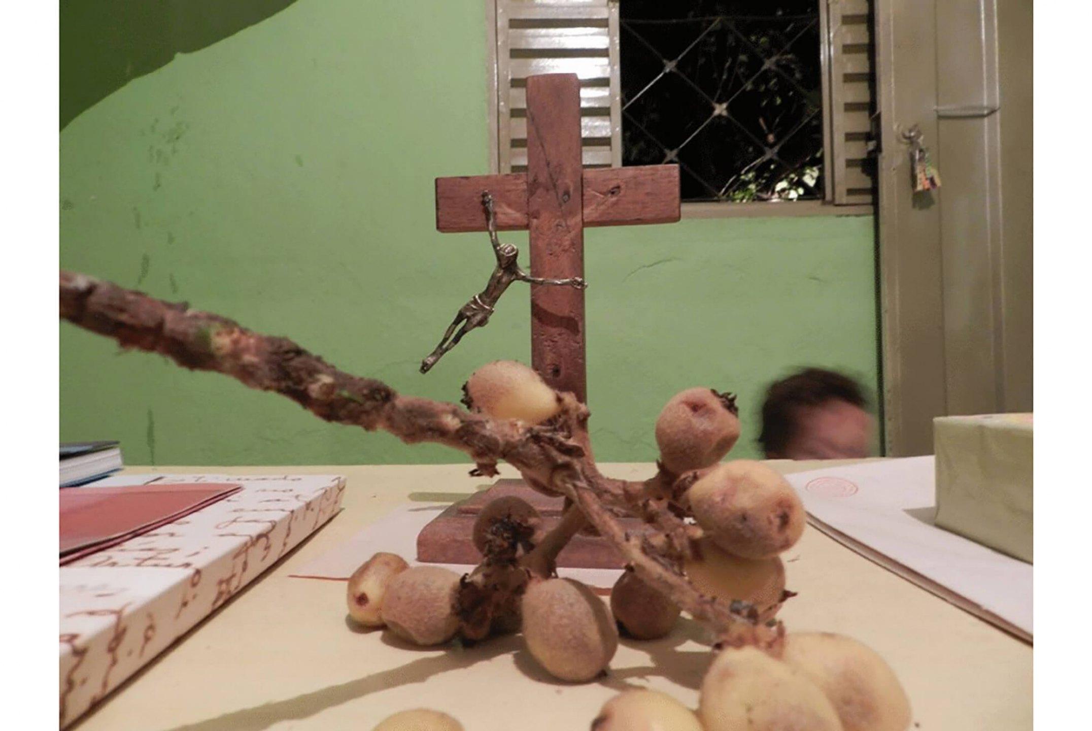 Paulo Nazareth,<em>Bienal de Veneza/Neves</em>, Ribeirão das Neves, 2013 - Mendes Wood DM