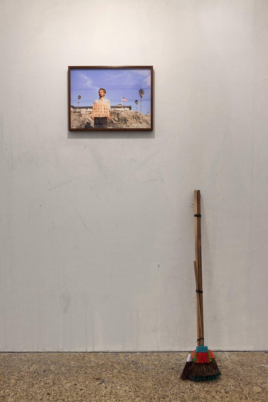 Paulo Nazareth,<em>Premium Bananas</em>,2012/2013,Museu de Arte de São Paulo – MASP, São Paulo - Mendes Wood DM