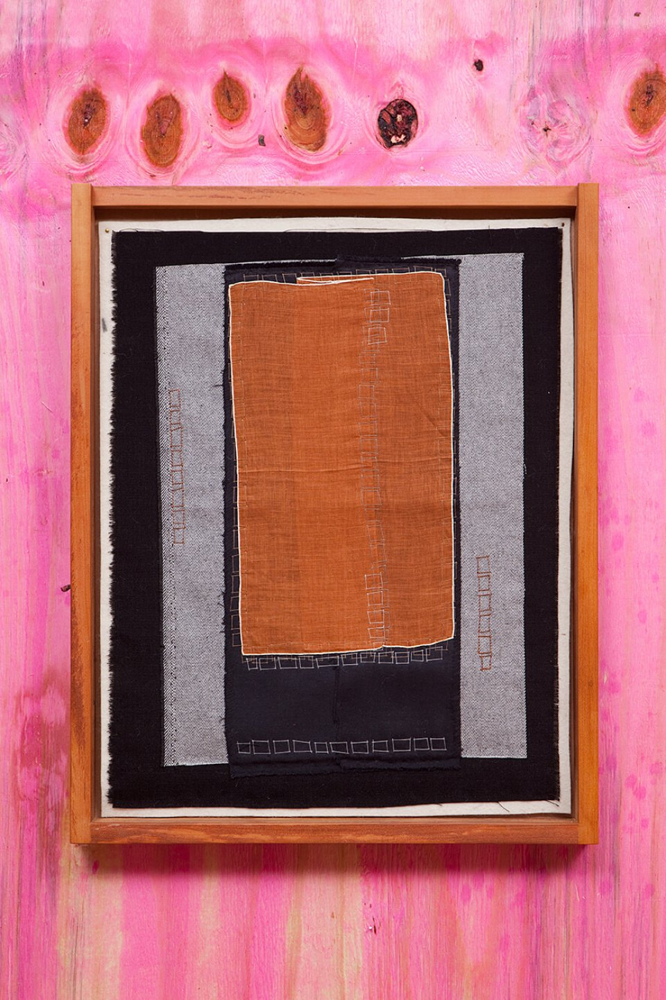 f.marquespeteado,&nbsp;<em>Malaise neo-concretista 03,</em>&nbsp;2011, linens, cottons and wools hand-embroidered on industrial felt, 52 × 40 cm - Mendes Wood DM