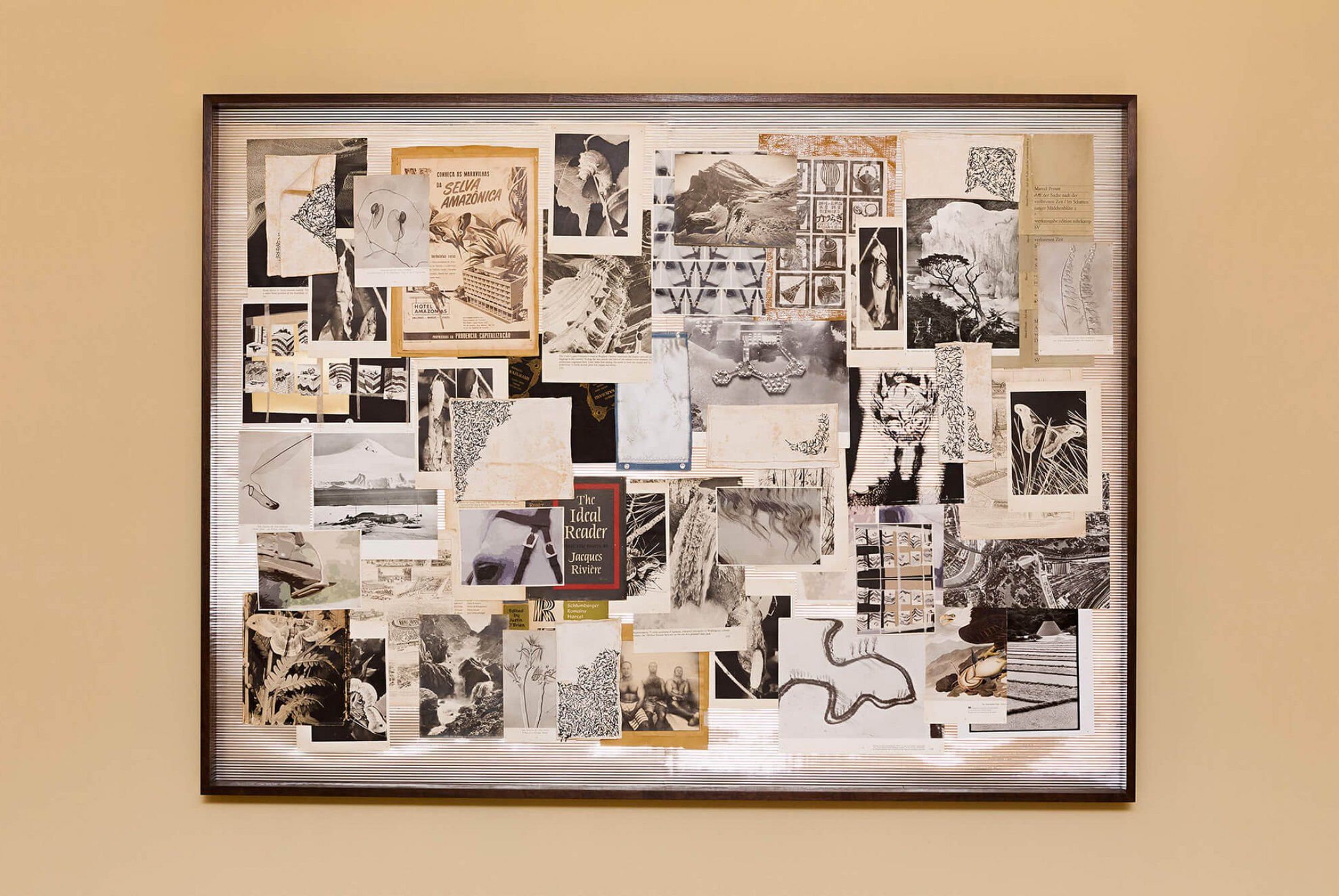 f.marquespeteado,<em>Storyboard Jonas</em>, 2002/2014, print on paper and fabric, graphite on paper, photographs, newspaper and files on metallized paper framed, 120 × 162 × 8 cm - Mendes Wood DM