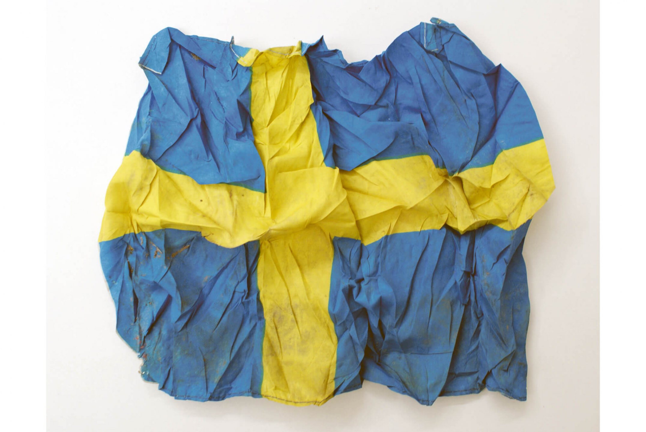 Runo lagomarsino,<em>In Every  Step There Is a Movement</em>, 2014,     Swedish flag, 39 × 44 × 7 cm - Mendes Wood DM