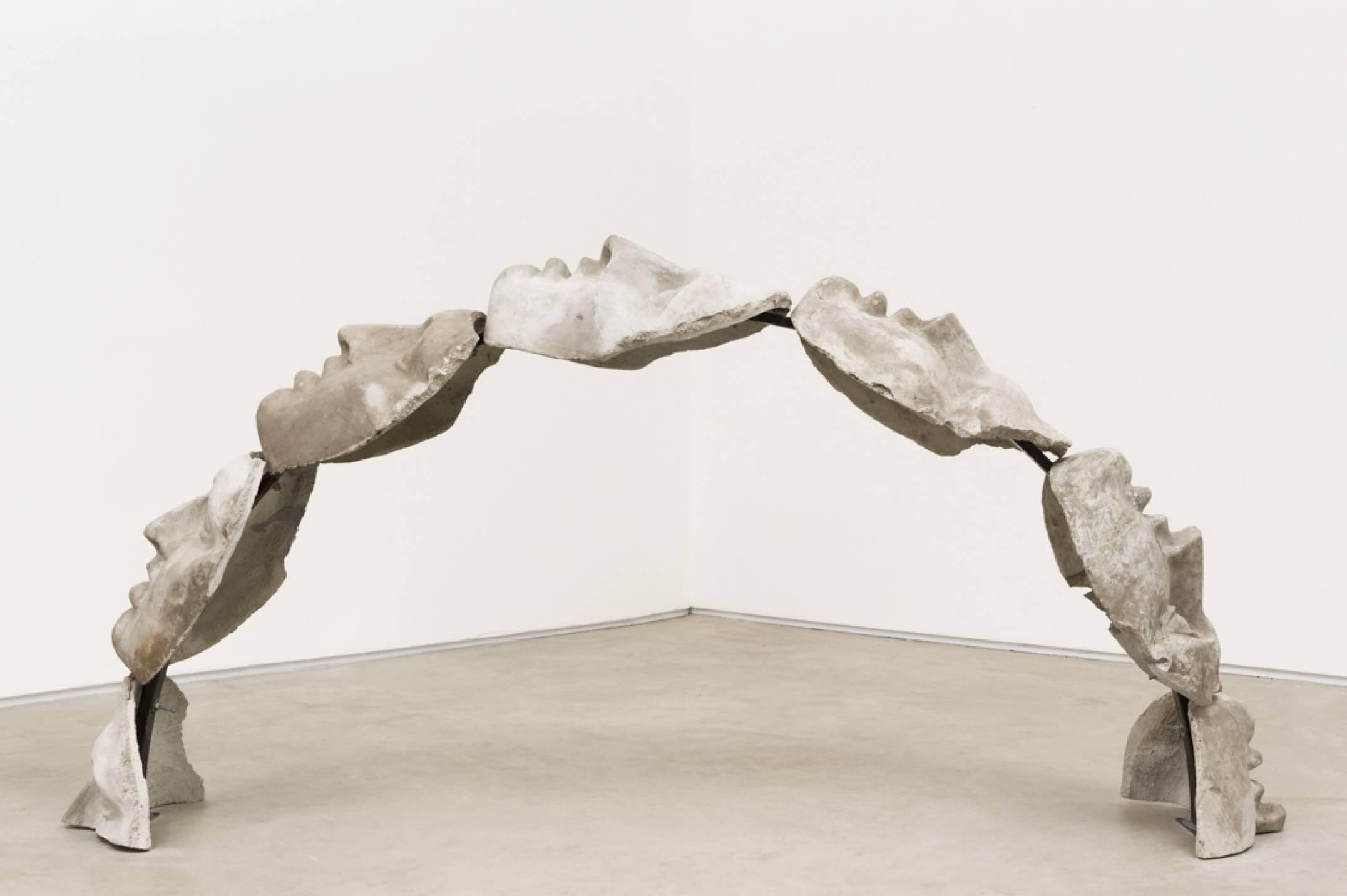Roberto Winter,&nbsp;<em>Facebook Inc,</em> 2017, concrete, metal chains, 200 × 150 × 50 cm - Mendes Wood DM