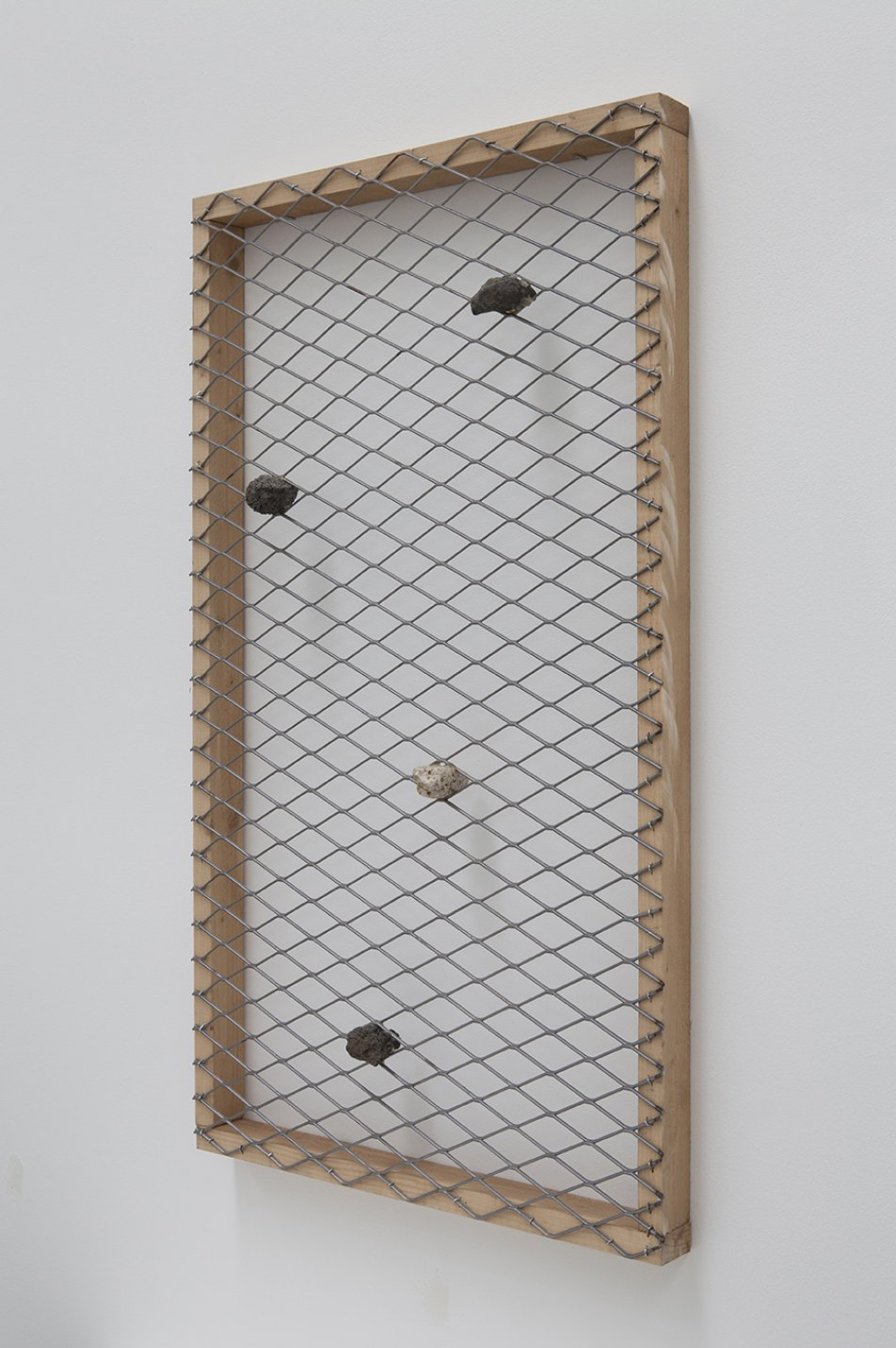 Kishio Suga, <em>Hidden and Connected in Space</em>, 2012, stone, wood, wire mesh, 93,5 × 53,5 × 9 cm - Mendes Wood DM