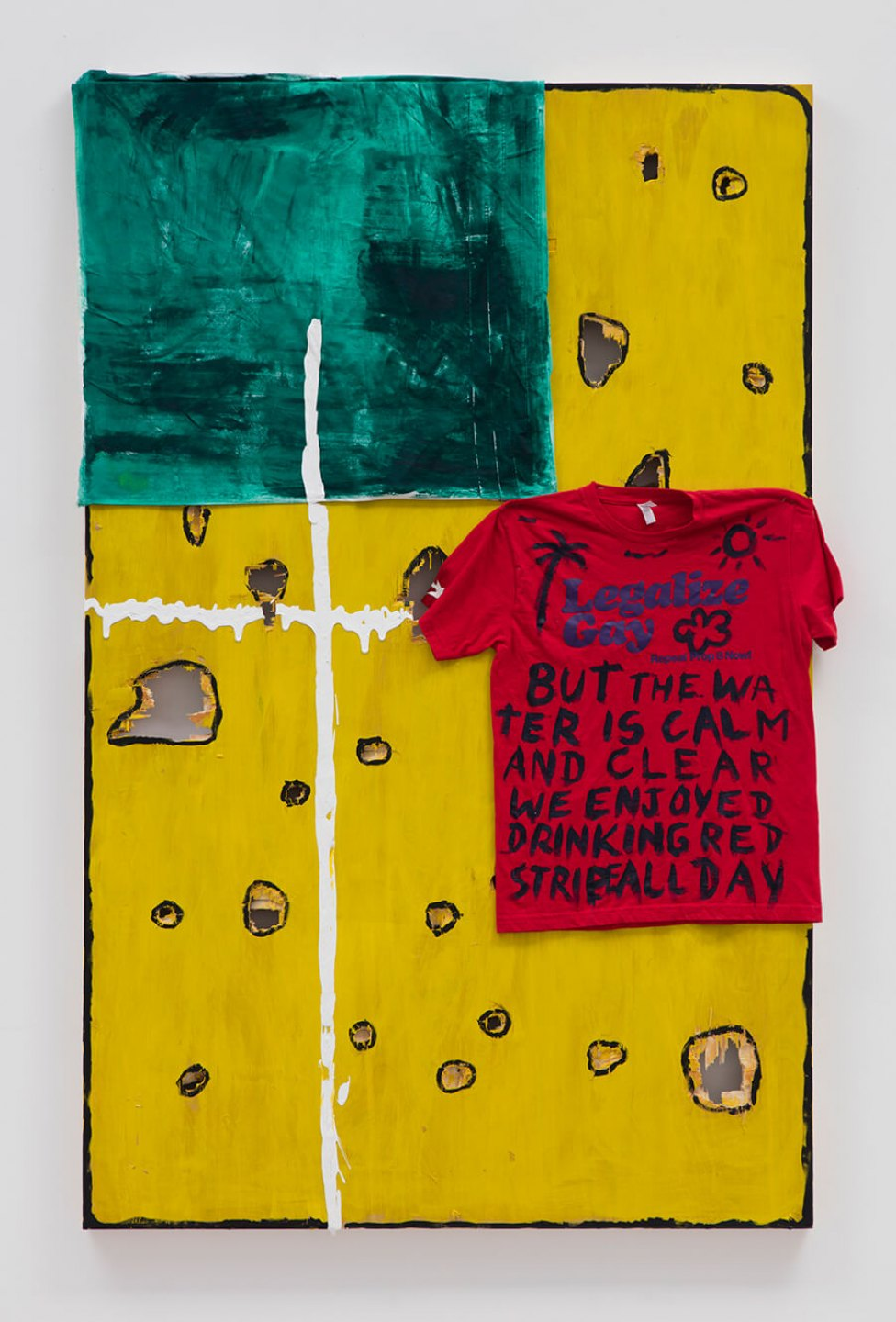 Adriano Costa, <em>Rotten Cheese Lettuce And A Slice Of Tomato</em>, 2016<br>t-shirt, fabric and acrylic on plywood panel, 188 × 119,4 × 5,4 cm - Mendes Wood DM