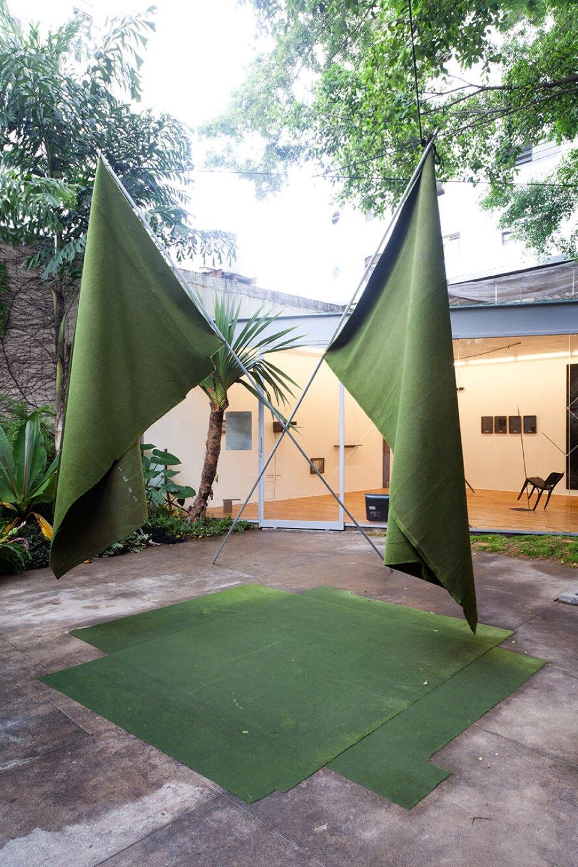 Deyson Gilbert, <em>50%,50%,50%,50%</em>,2010,carpet, cables and metal tubes,<br>400 × 600 × 400 cm - Mendes Wood DM
