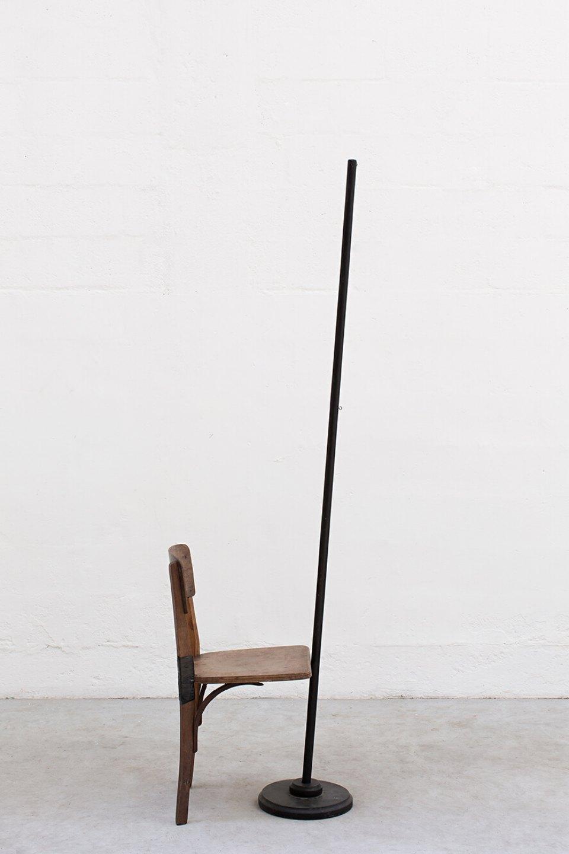 Deyson Gilbert, <em>coitus,</em> 2012, flagpole and chair, 190 × 50 × 40 cm - Mendes Wood DM