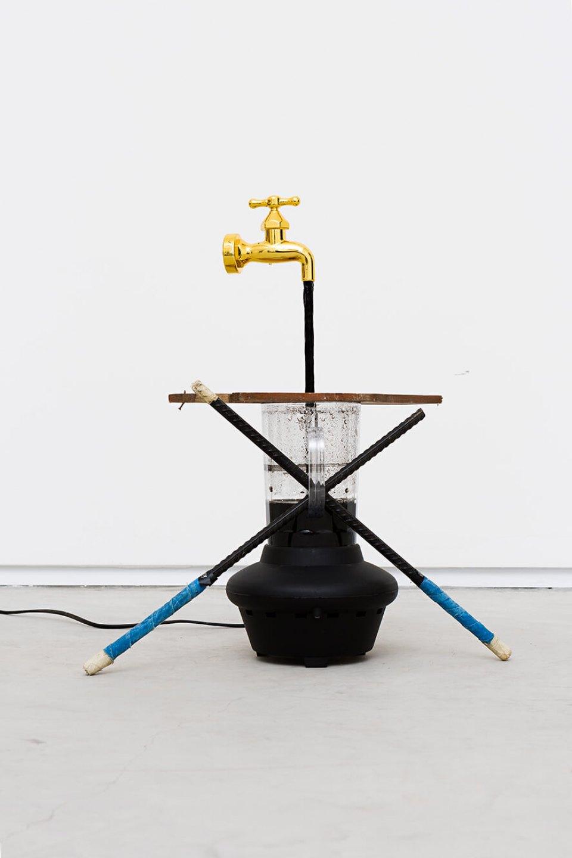 Deyson Gilbert,<em>volume morto</em>,2014, plastic, iron, wood, water, China ink and water pump, 48 × 41 × 22 cm - Mendes Wood DM