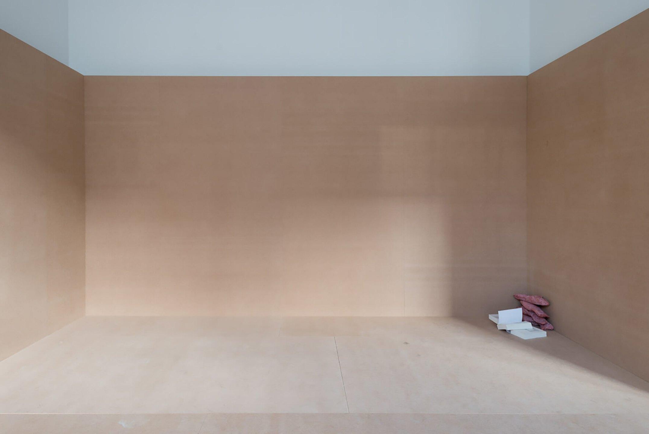 Michael Dean,<em>Qualities of Violence</em>, De Appel Arts Centre, Amsterdam, 2015 - Mendes Wood DM