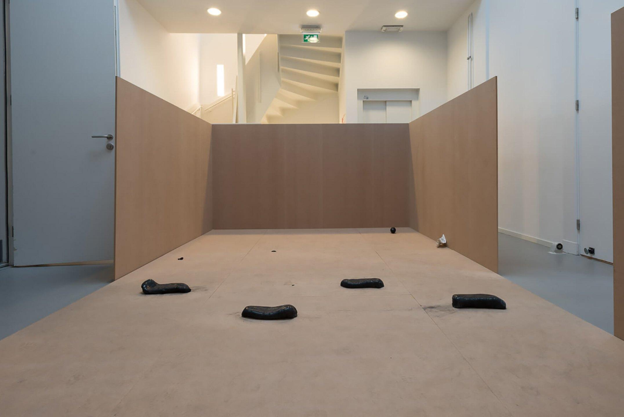 Michael Dean,<em>Qualities of Violence,</em> De Appel Arts Centre, Amsterdam, 2015 - Mendes Wood DM