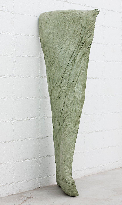 Michael Dean<em>, nnhnnhnnnnnhn (Working Title),</em>2013, concrete, 176 ×60 × 65 cm - Mendes Wood DM