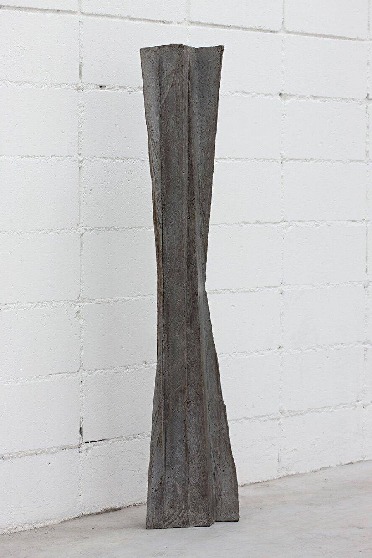 Michael Dean, <em>yrrry (Working Title)</em>,&nbsp;2013,&nbsp;concrete,&nbsp;132,5 × &nbsp;27 × &nbsp;12 cm - Mendes Wood DM