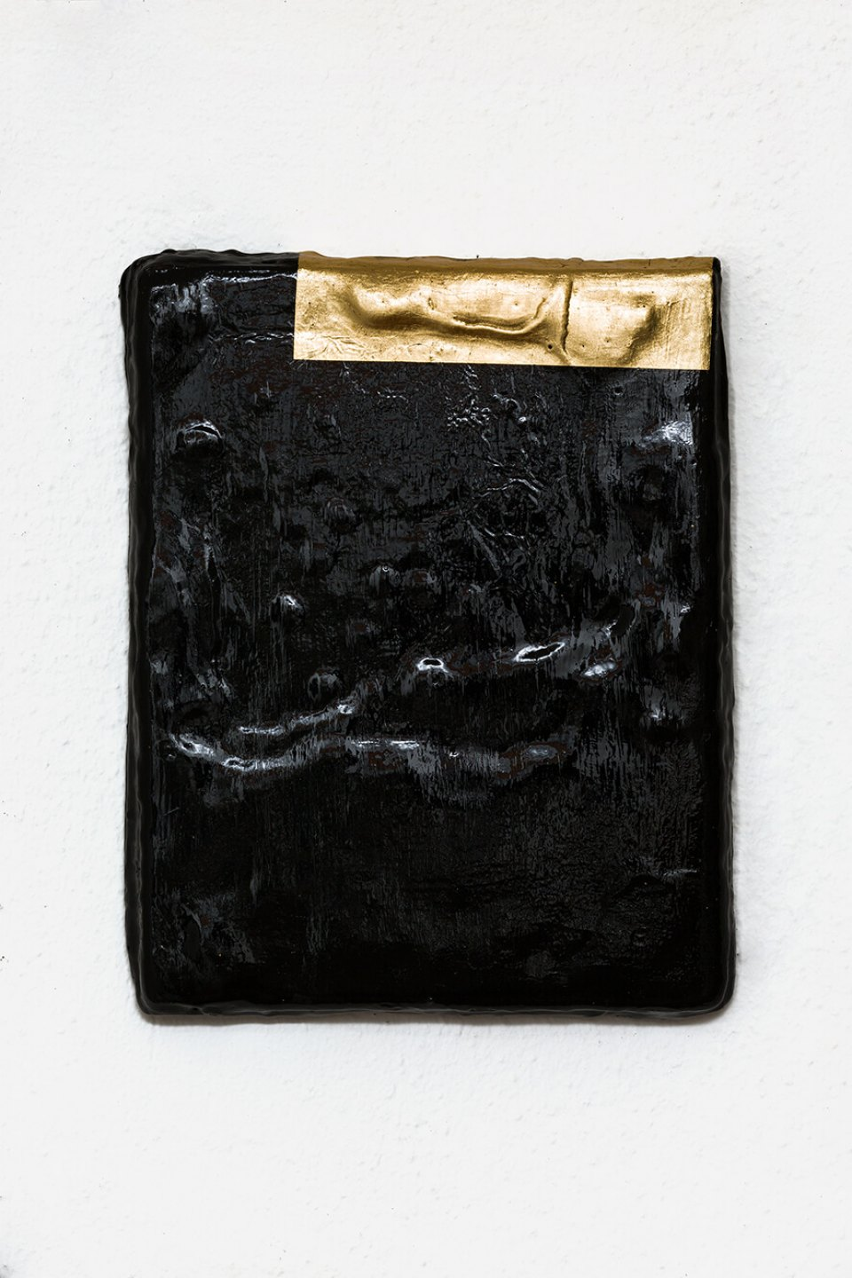Paloma Bosquê,<em> Repetitions (the 12 defects)</em>, 2013, encaustic and golden sheet on canvas, 24 × 19 cm - Mendes Wood DM