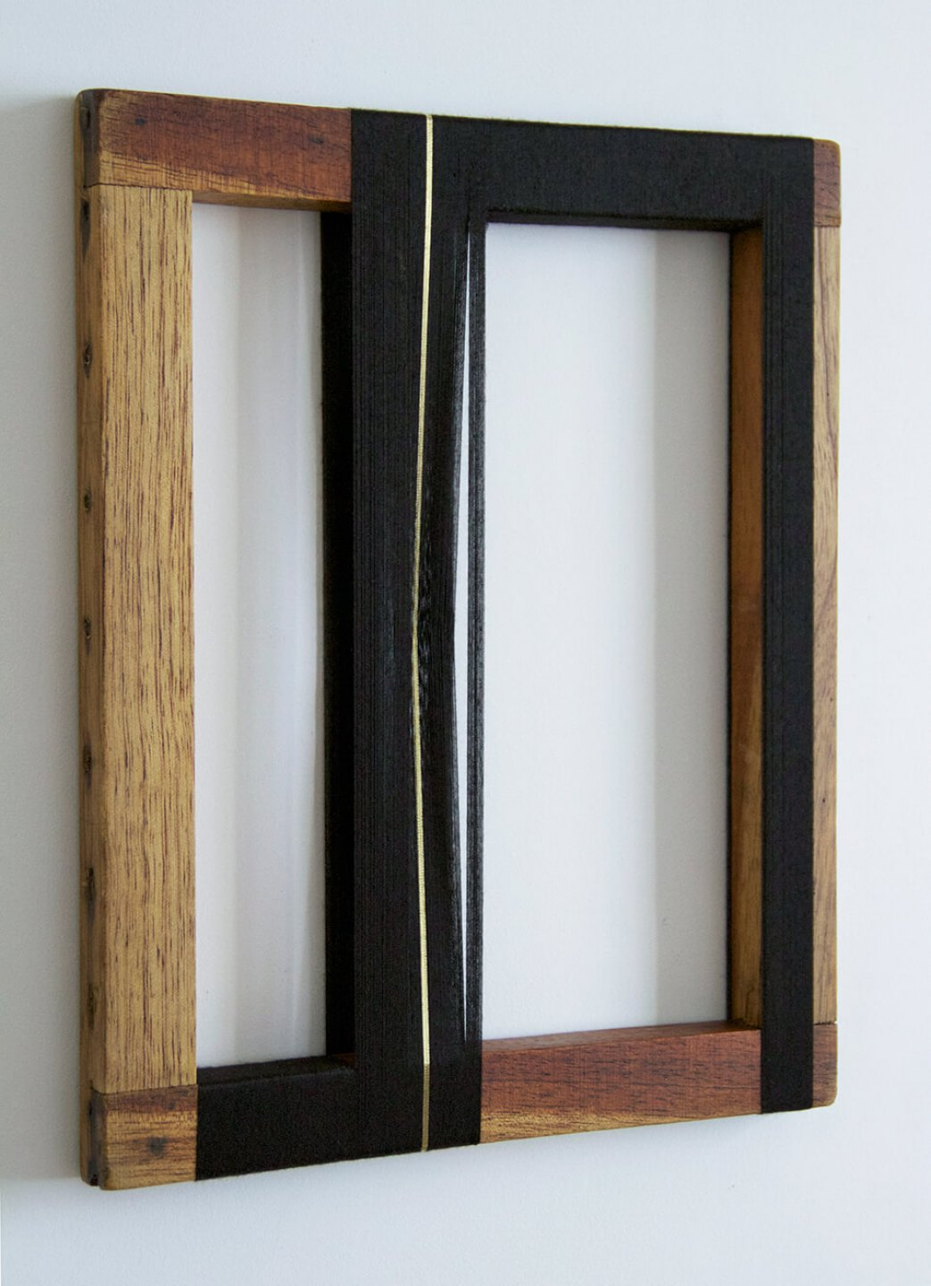 Paloma Bosquê, <em>Rhythm</em>, 2014, lurex threads and polyester on wood frame, 30,5 × 24,5 cm - Mendes Wood DM