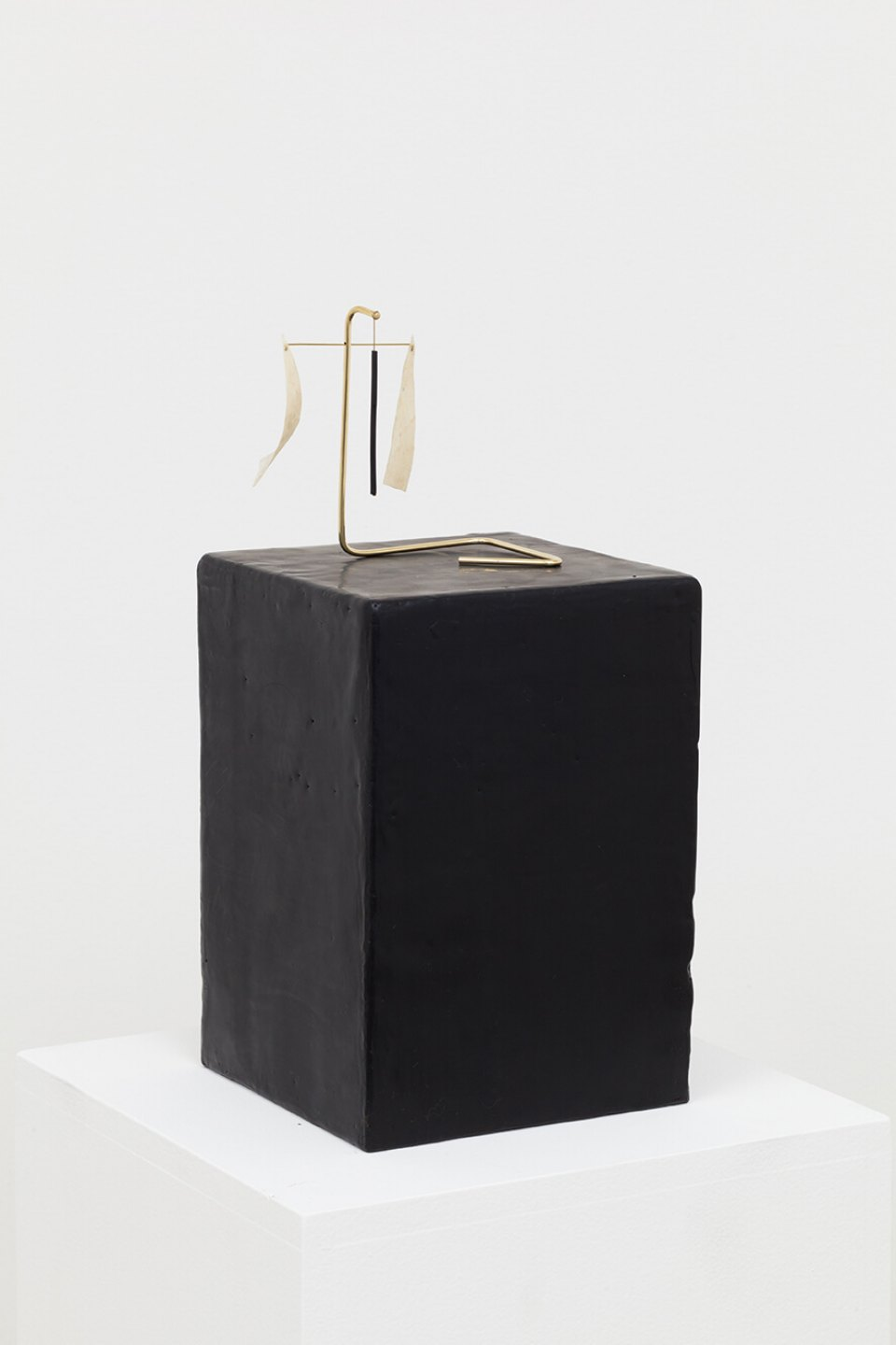Paloma Bosquê,<em> Piece #2</em>, 2016, dyed bee wax shaped in block form, brass rods and charcoal and goat leather, 24 × 17 × 17 cm  | 11,5 ×  13 × 8 cm  - Mendes Wood DM