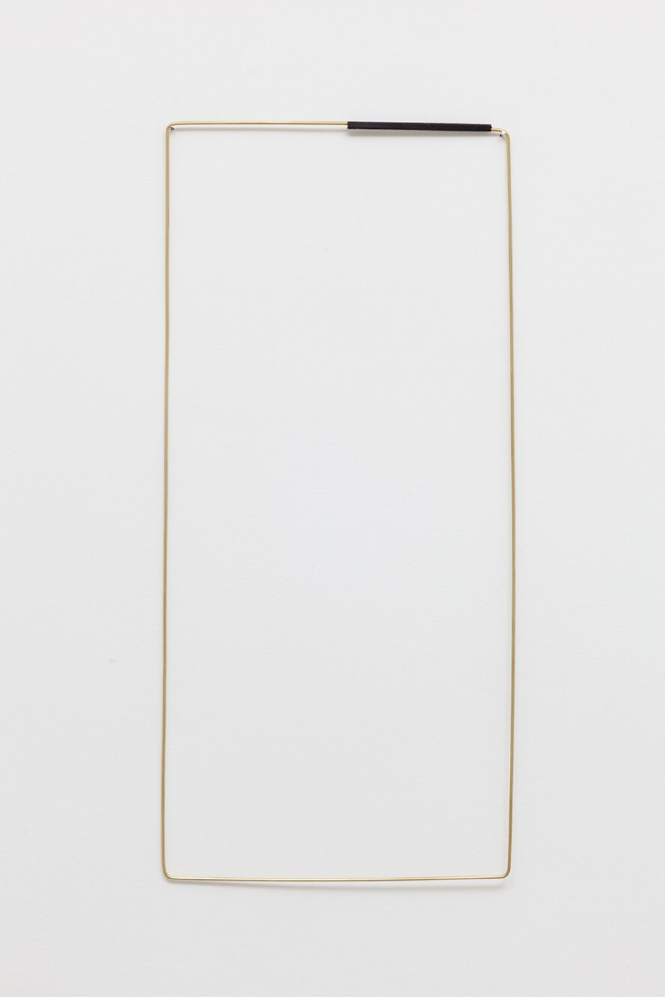 Paloma Bosquê, <em>Field</em>, 2016, brass rods and black thread, 70 × 32 cm - Mendes Wood DM