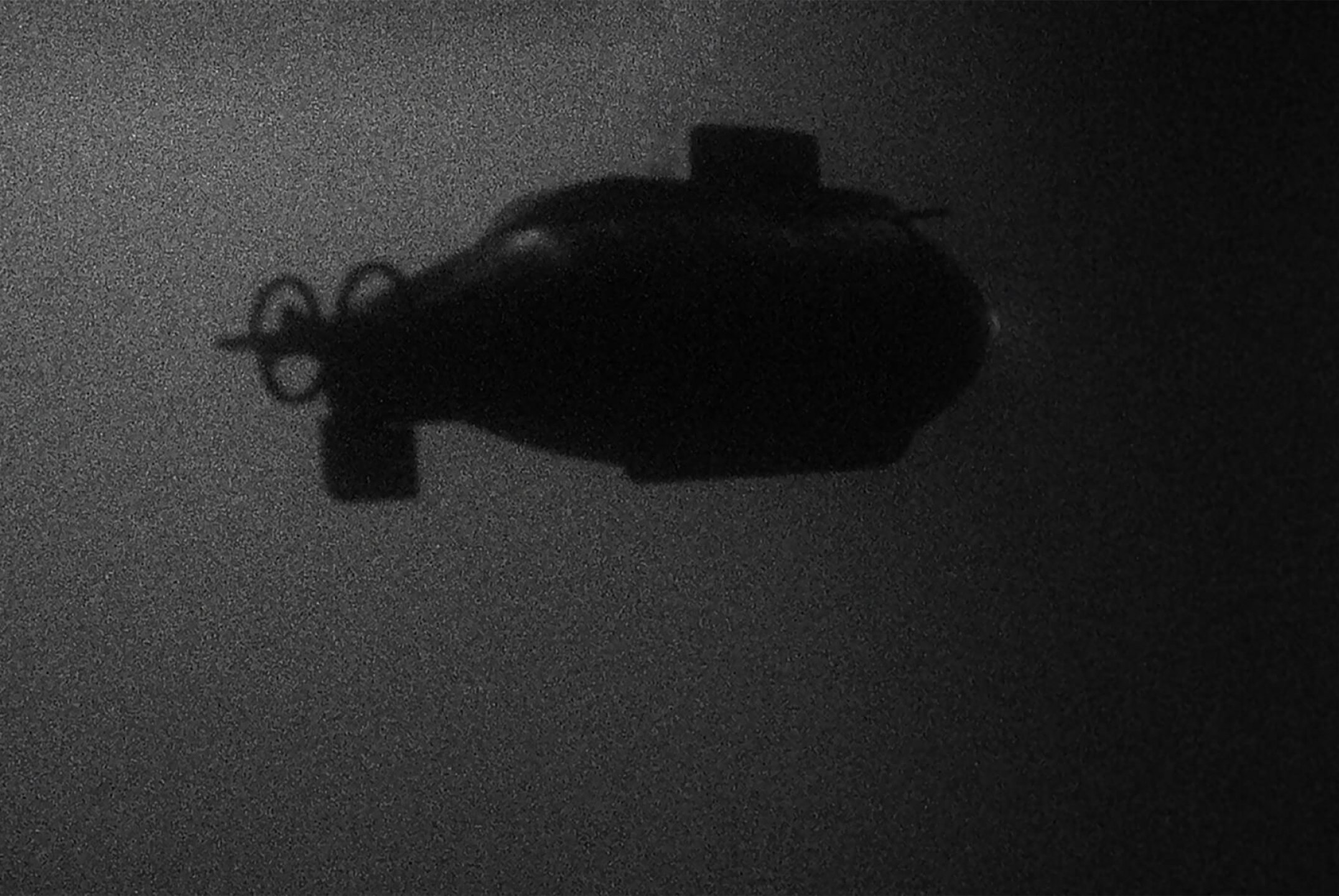 Leticia Ramos,<em>Vostok</em>, 2014, video 35 mm HD dolbysound, 5.18' looping - Mendes Wood DM