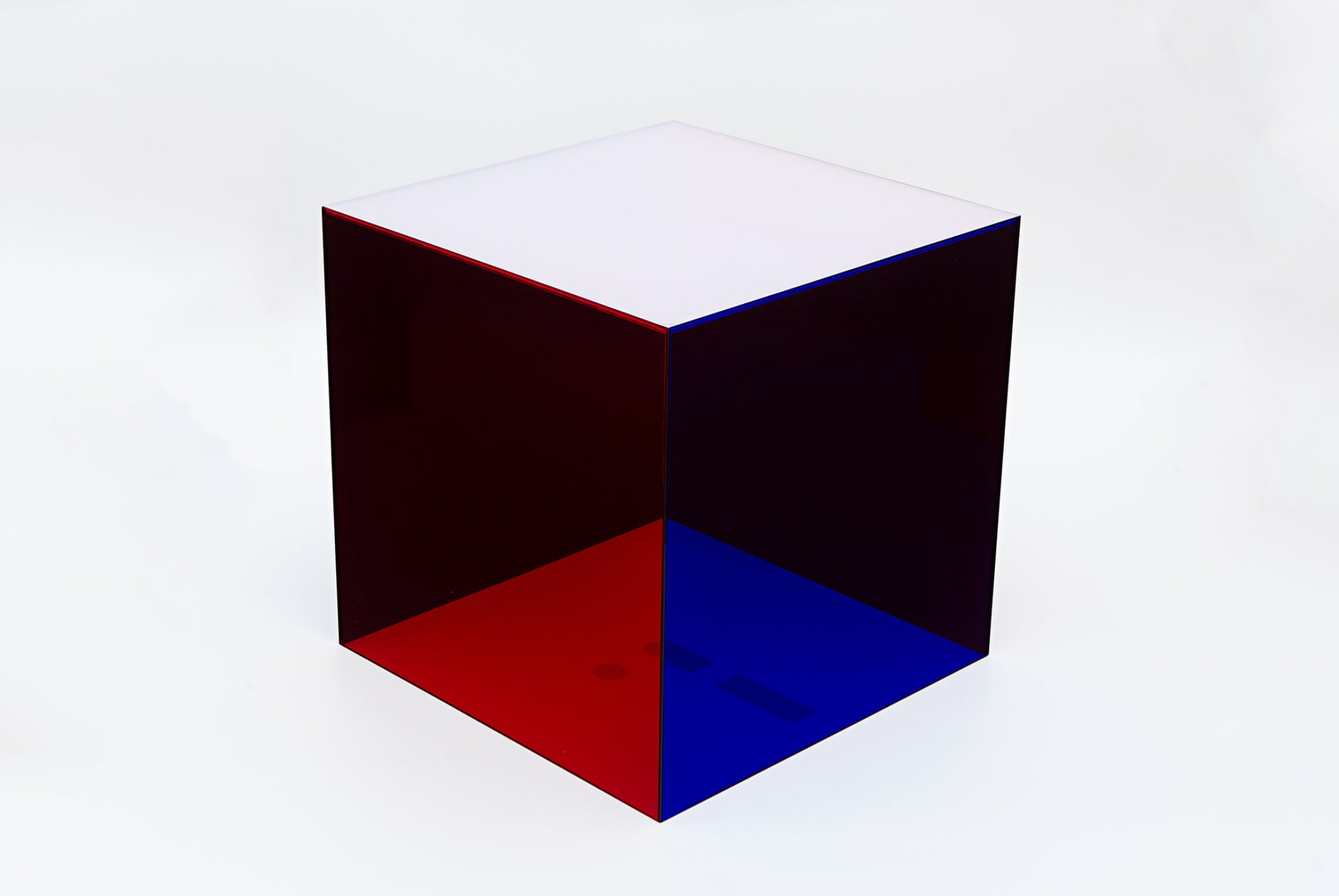 Roberto Winter, <em>Tríptico</em>, 2011, plexiglas cube positioned on inkjet print on paper, 50 × 50 × 50 cm - Mendes Wood DM