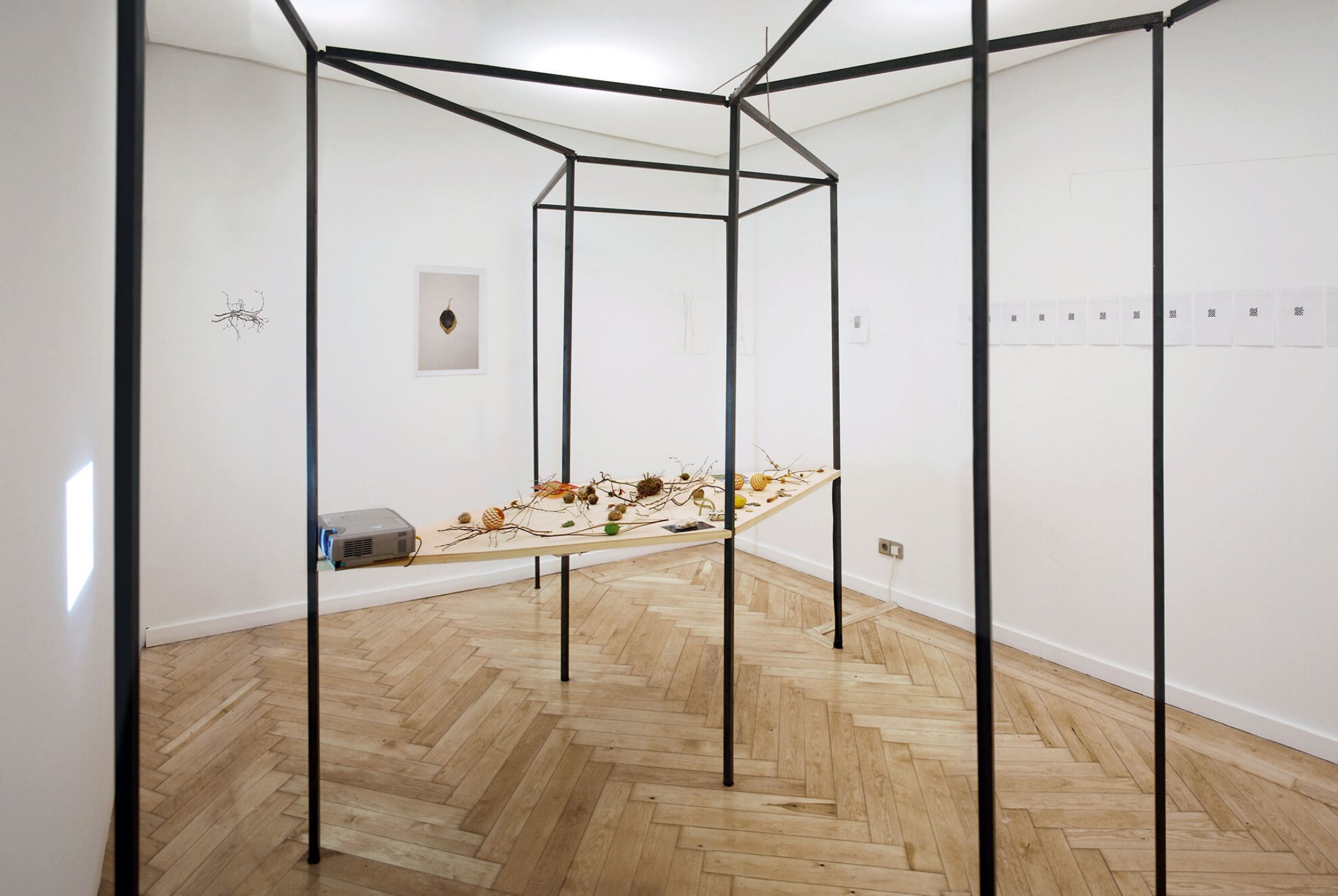 Daniel Steegmann Mangrané, <em>Not Yet Titled</em>, 2007, Modular structure, 2 water-colors, 2 photo, 1 collage, 2 drawings, 1 animation and diverse sculptures, 5,40× 3,40× 3 cm - Mendes Wood DM