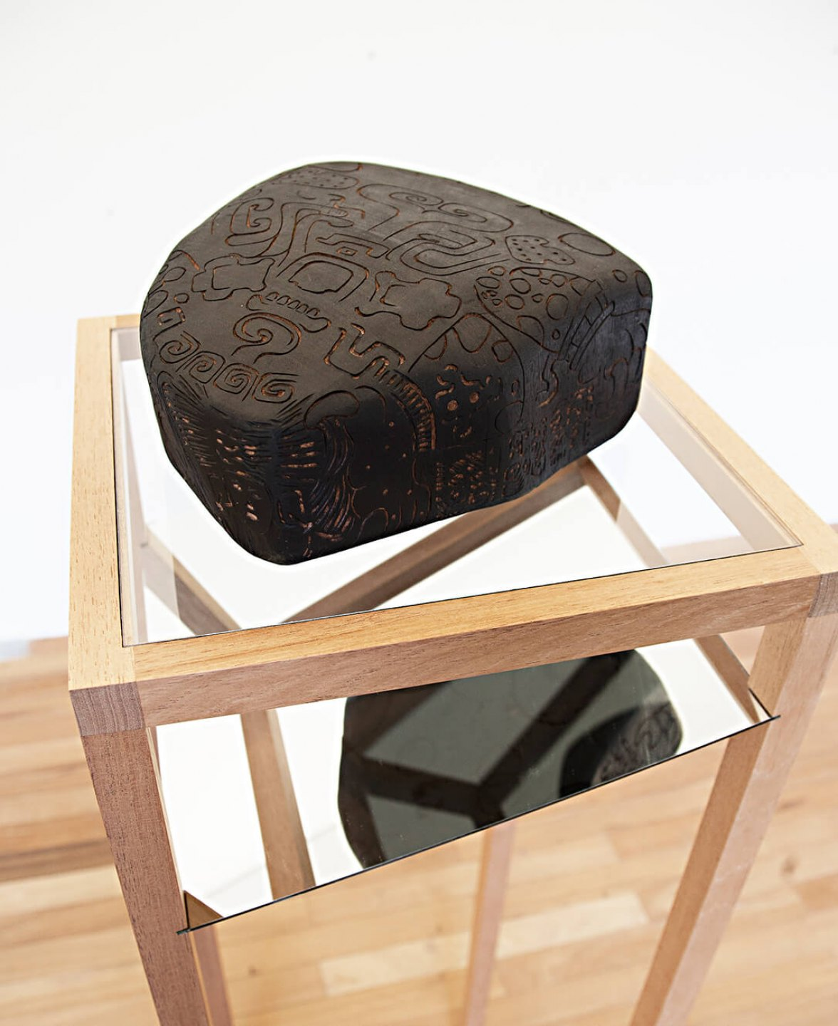 Mariana Castillo Deball, <em>Zoomorph G</em>, 2013, wooden carved sculpture mounted on base with mirror, 155 × 40 × 40 cm - Mendes Wood DM