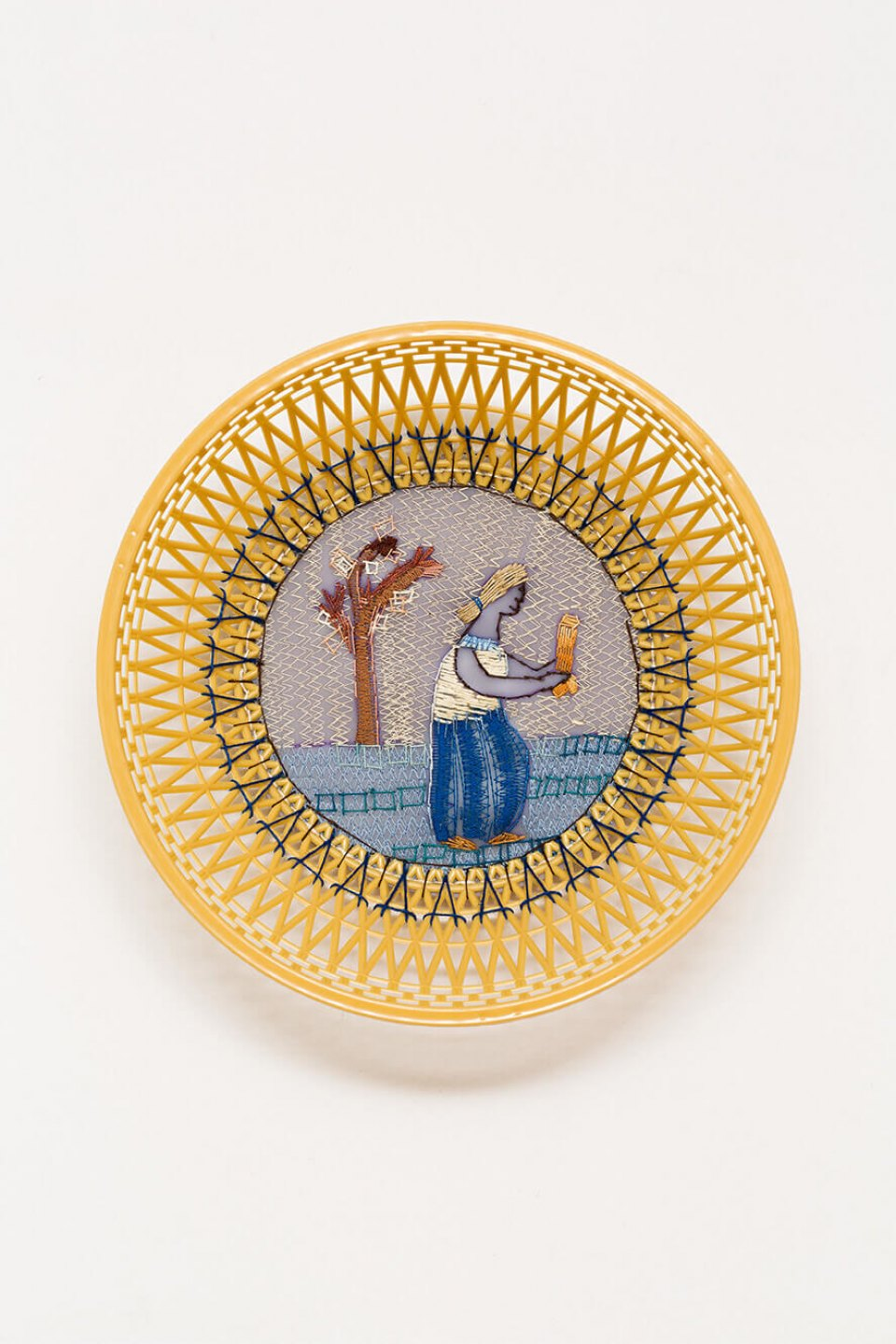f.marquespeteado, <em>Ninfa fálica, from Wedgwood erótica series,</em> 2009, plastic basket, hand and machine embroidery PVC, 7,5 × 24 cm ø - Mendes Wood DM