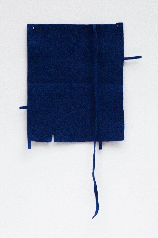 Paulo Monteiro,&nbsp;<em>untitled</em>, 2015, felt, 38 × 23,5 × 1 cm &nbsp; - Mendes Wood DM