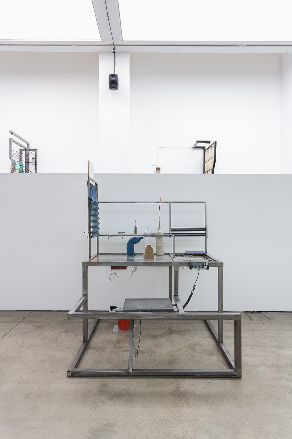 Neïl Beloufa, <em>Counting On People‭,</em> ‬ICA‭ – The Institute of Contemporary Arts, ‬London‭, 2014 - Mendes Wood DM