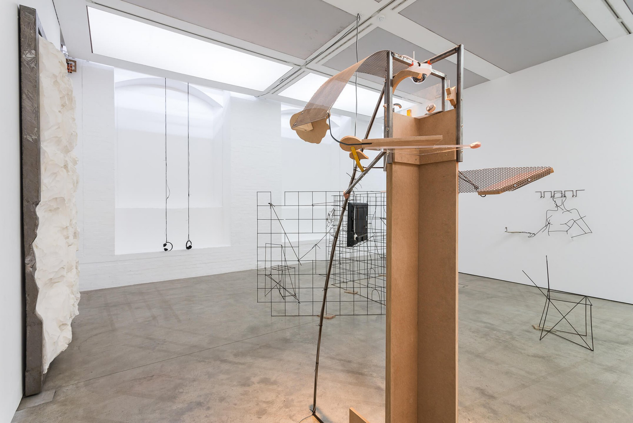 Neïl Beloufa, <em>Counting On People‭</em>, ‬ICA‭ – The Institute of Contemporary Arts, ‬London‭, 2014 - Mendes Wood DM