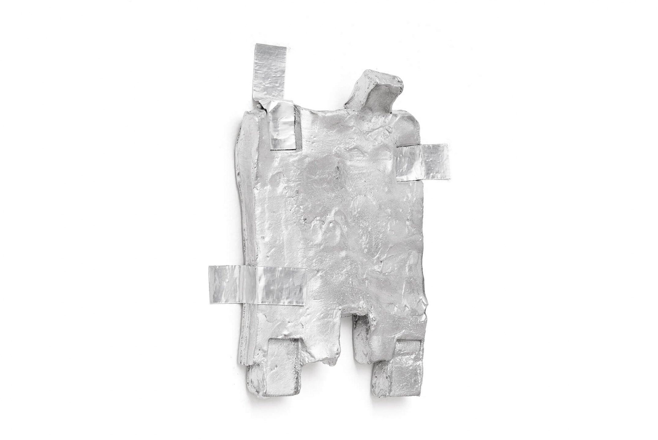 Paulo Monteiro,<em>&nbsp;untitled,</em> 2015, aluminium, 25 × 22 cm - Mendes Wood DM