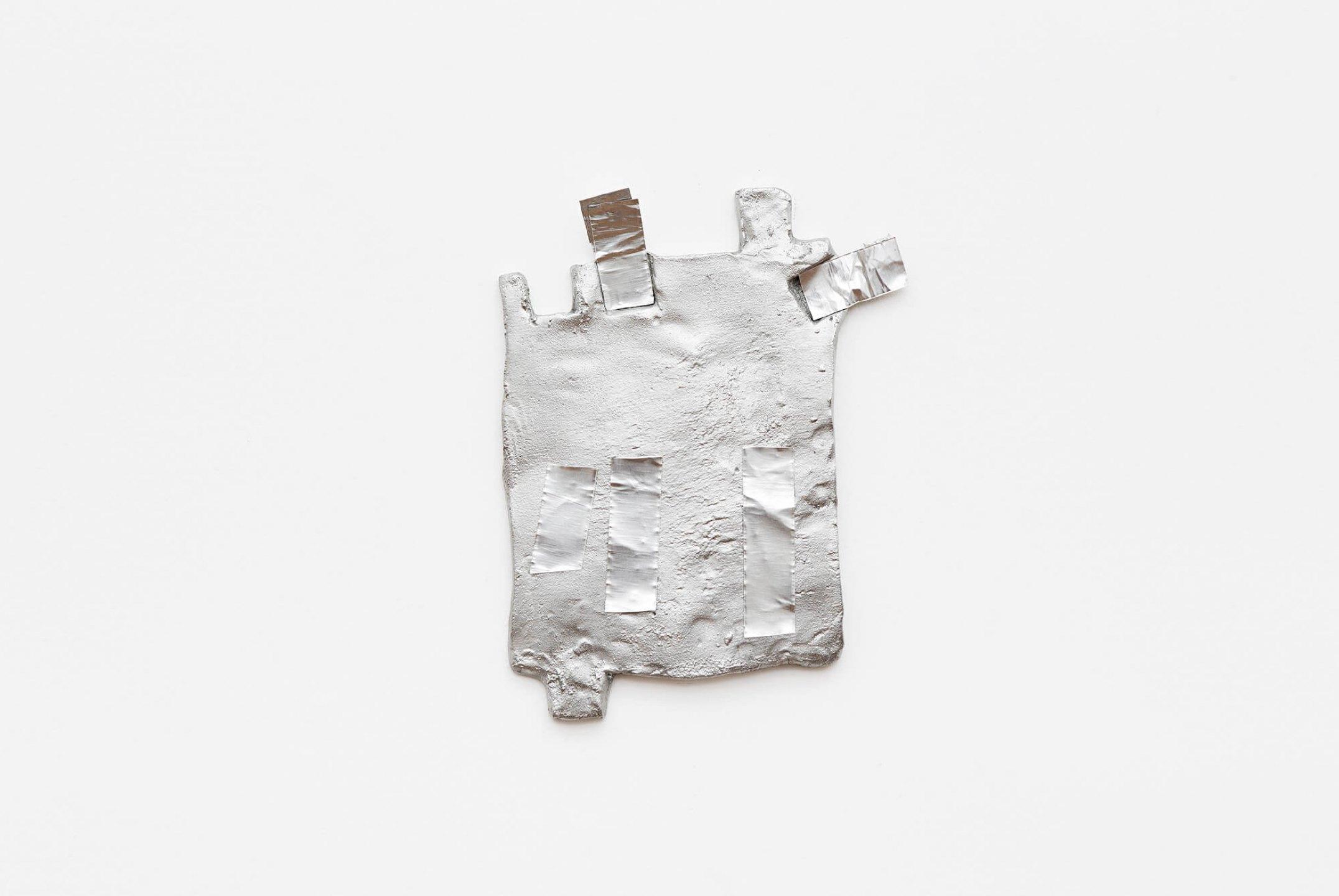 Paulo Monteiro,<em>untitled</em>, 2011, aluminum and aluminum ribbon, 26 × 20,5 ×1 cm - Mendes Wood DM