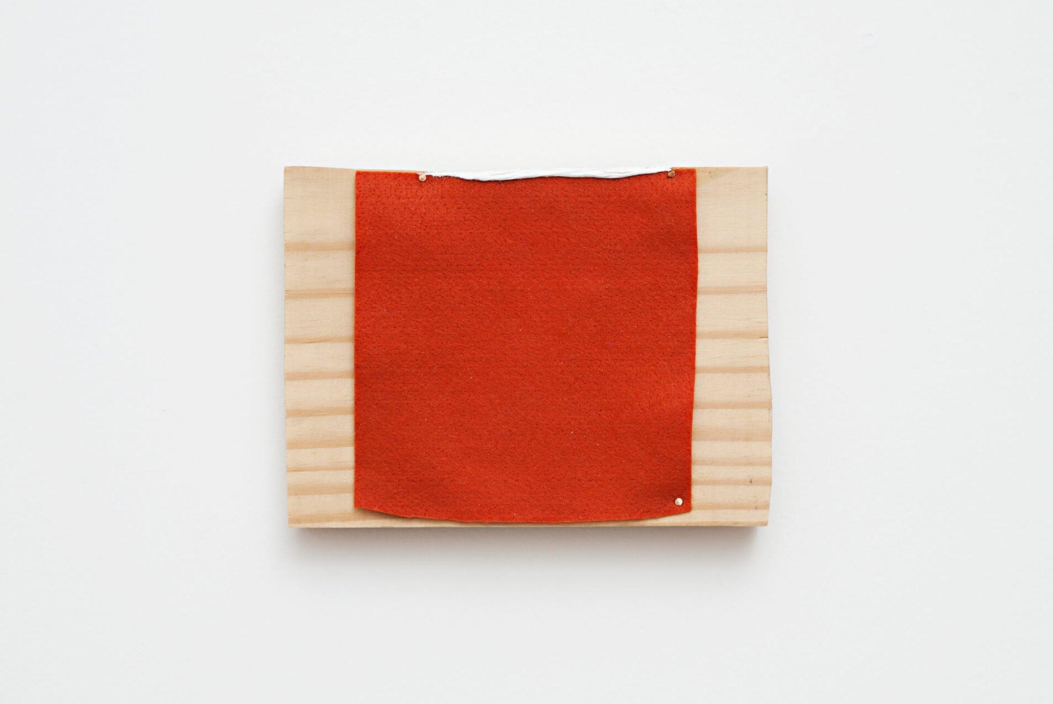 Paulo Monteiro,&nbsp;<em>untitled,</em> 2013, oil, felt, copper nail on wood, 18,5 × 14 cm - Mendes Wood DM