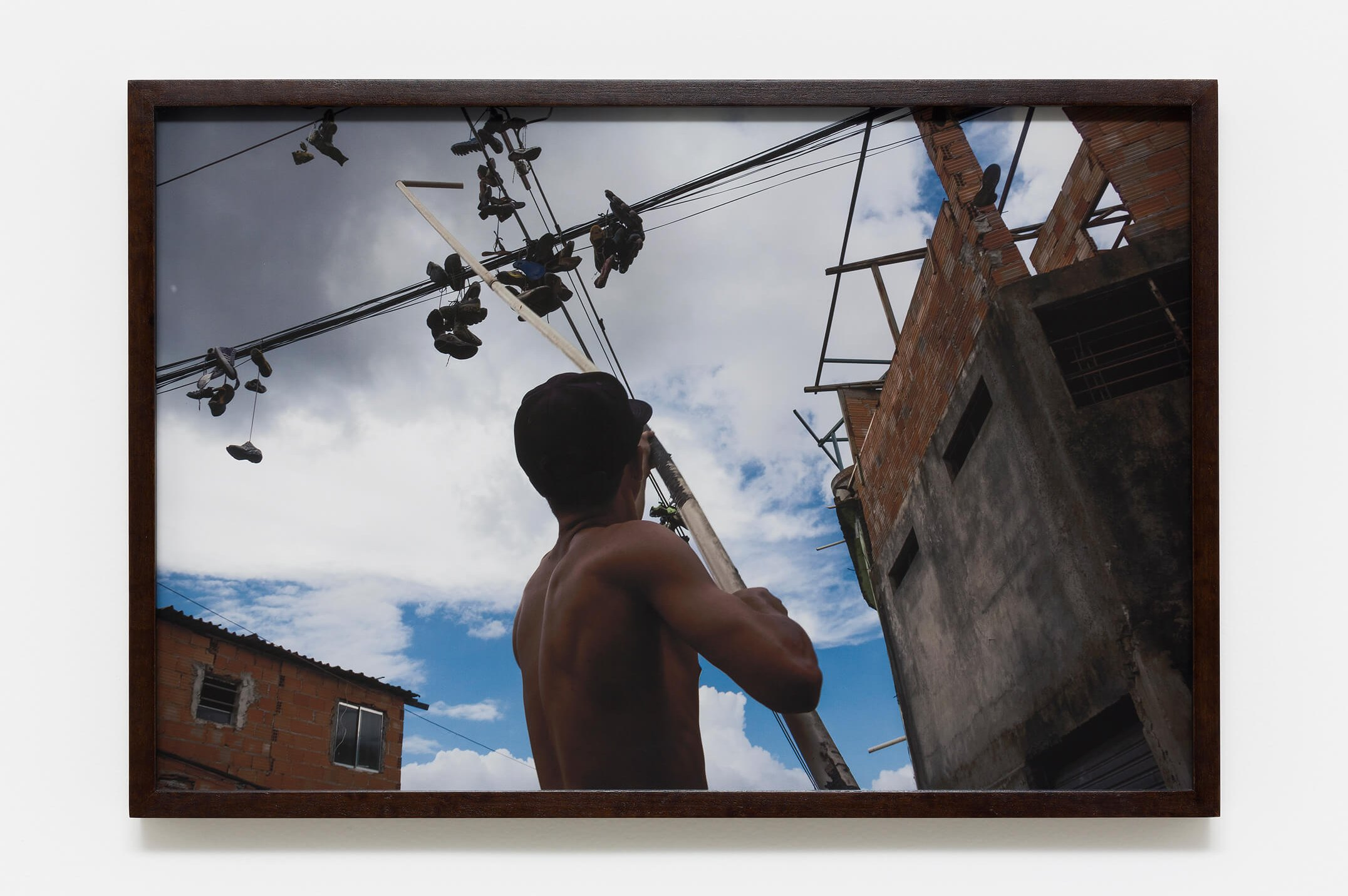 Haroon Gunn-Salie<em>, On the line,</em>2016,print on paper,59,4 × 39,6 cm - Mendes Wood DM