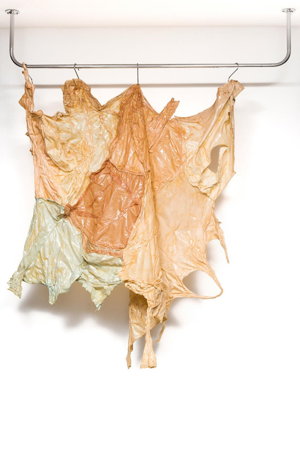 Cibelle Cavalli Bastos,<em>Cas(c)a/\Carniça</em>, 2016,clothes, stitching and latex,193 × 148 × 34 cm - Mendes Wood DM