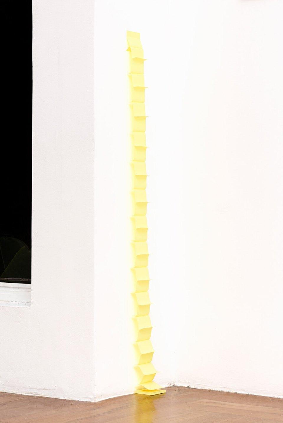 Marcelo Jarosz, <em>untitled</em>, 2014, post it, 145 × 8 × 5&nbsp;cm - Mendes Wood DM
