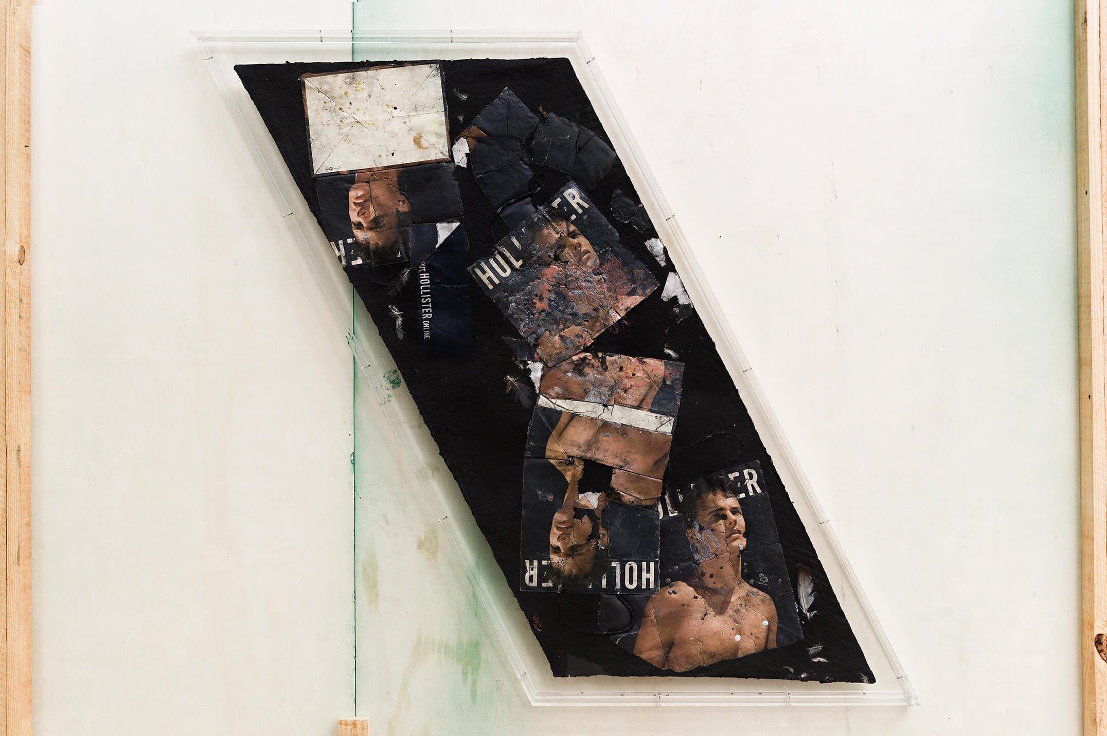 Stewart Uoo,<em>Untitled (Hollister Small Black)</em>, 2015, cotton, paper shopping bags, cockroaches (Periplaneta americana), pigment, polyurethane resin, synthetic fibers, dust,111,75 × 109,2 × 0,95 cm - Mendes Wood DM