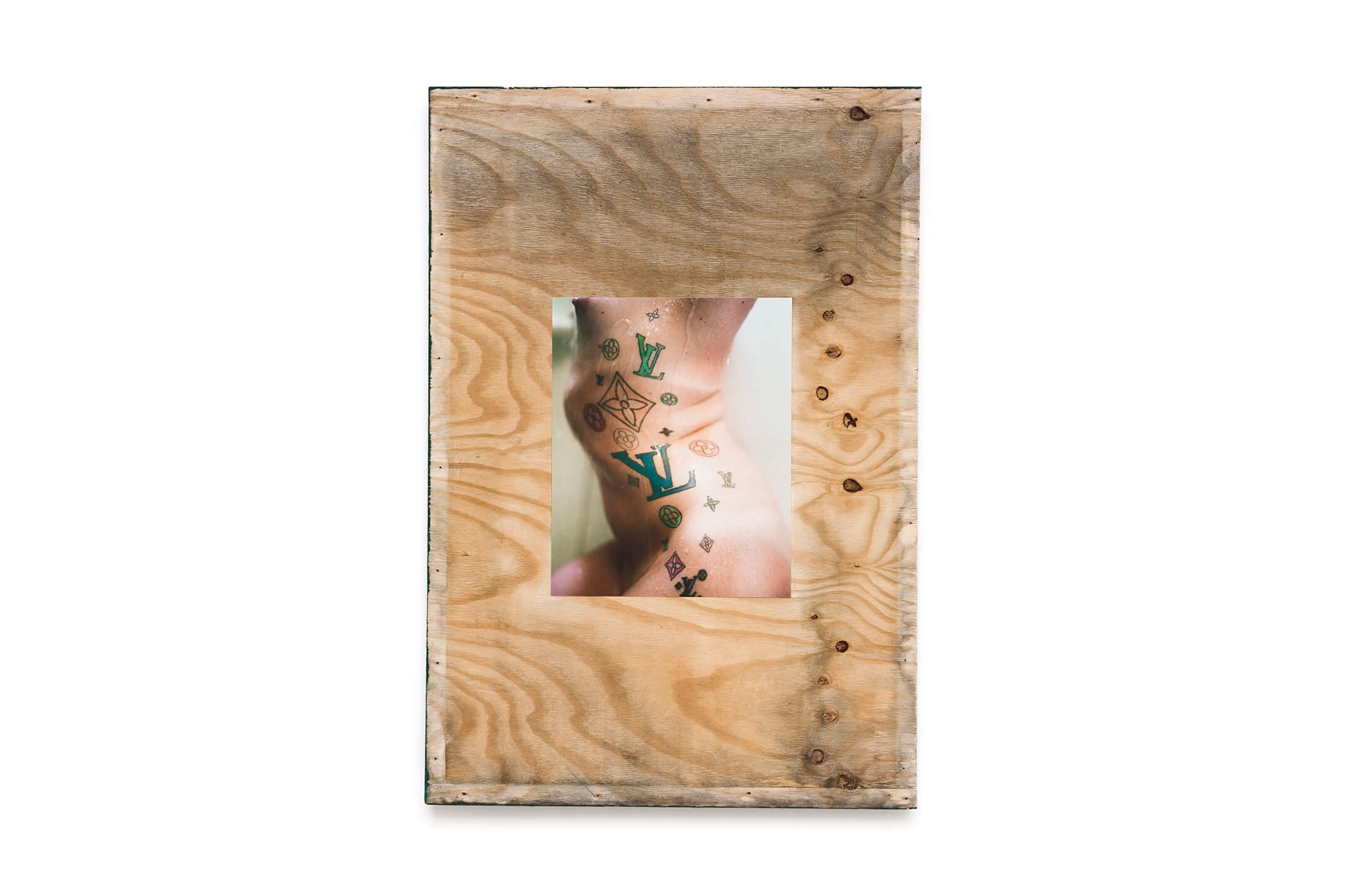 Stewart Uoo, <em>Untitled (Shower)</em>, 2015, archival pigment print on cotton paper, salvaged plywood, latex paint, 122 × 84 × 1 cm - Mendes Wood DM