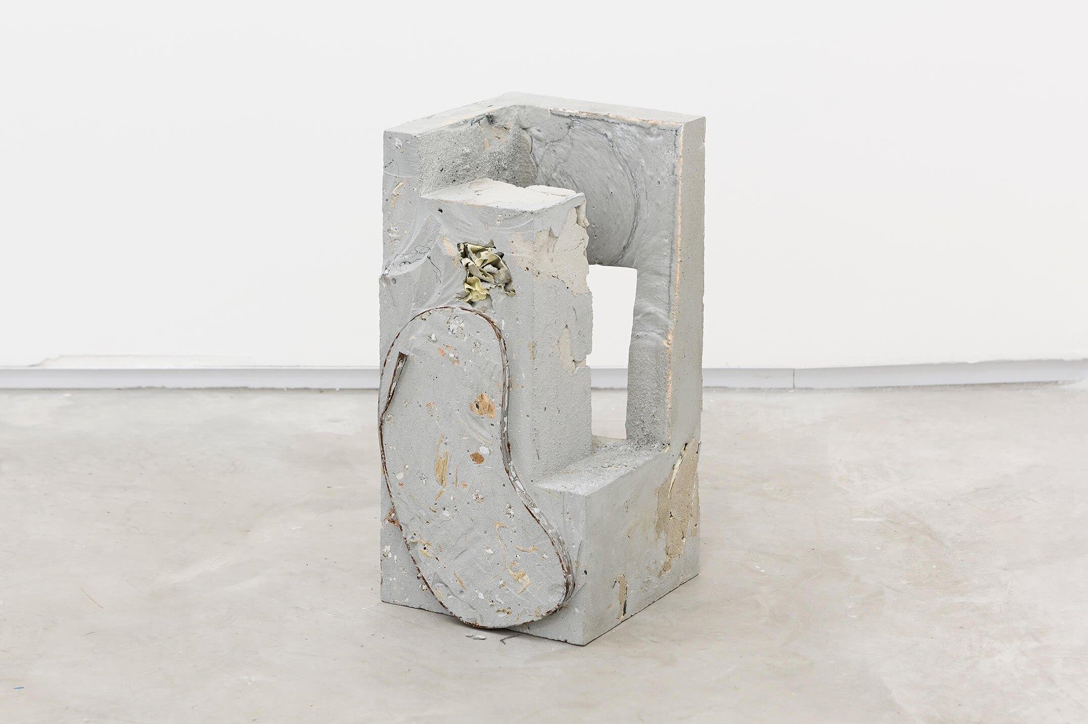 Allyson Vieira, <em>Block 6</em>, 2015, concrete, <em>Worker</em> scraps, concrete blocks, 39 × 19 × 19 cm - Mendes Wood DM