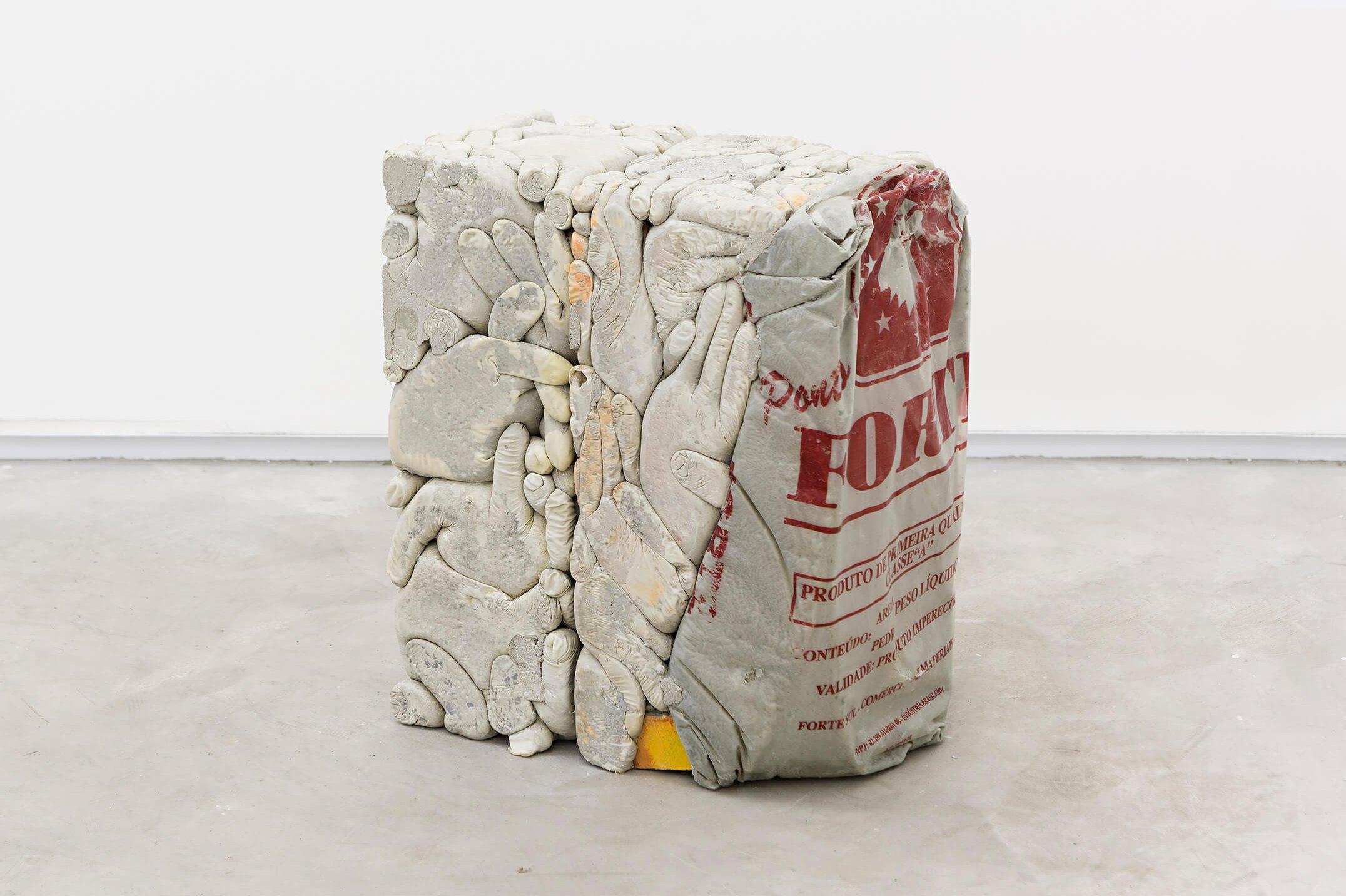 Allyson Vieira, <em>Block 9, Block 12</em>, 2015, concrete, <em>Worker</em> scraps, concrete blocks, 39 × 34 × 19 cm - Mendes Wood DM