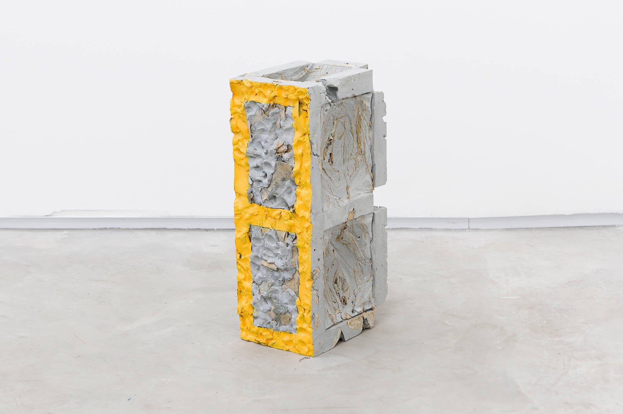 Allyson Vieira, <em>Block 14</em>, 2015, concrete, <em>Worker</em> scraps, concrete blocks, 39 × 15 × 19 cm - Mendes Wood DM
