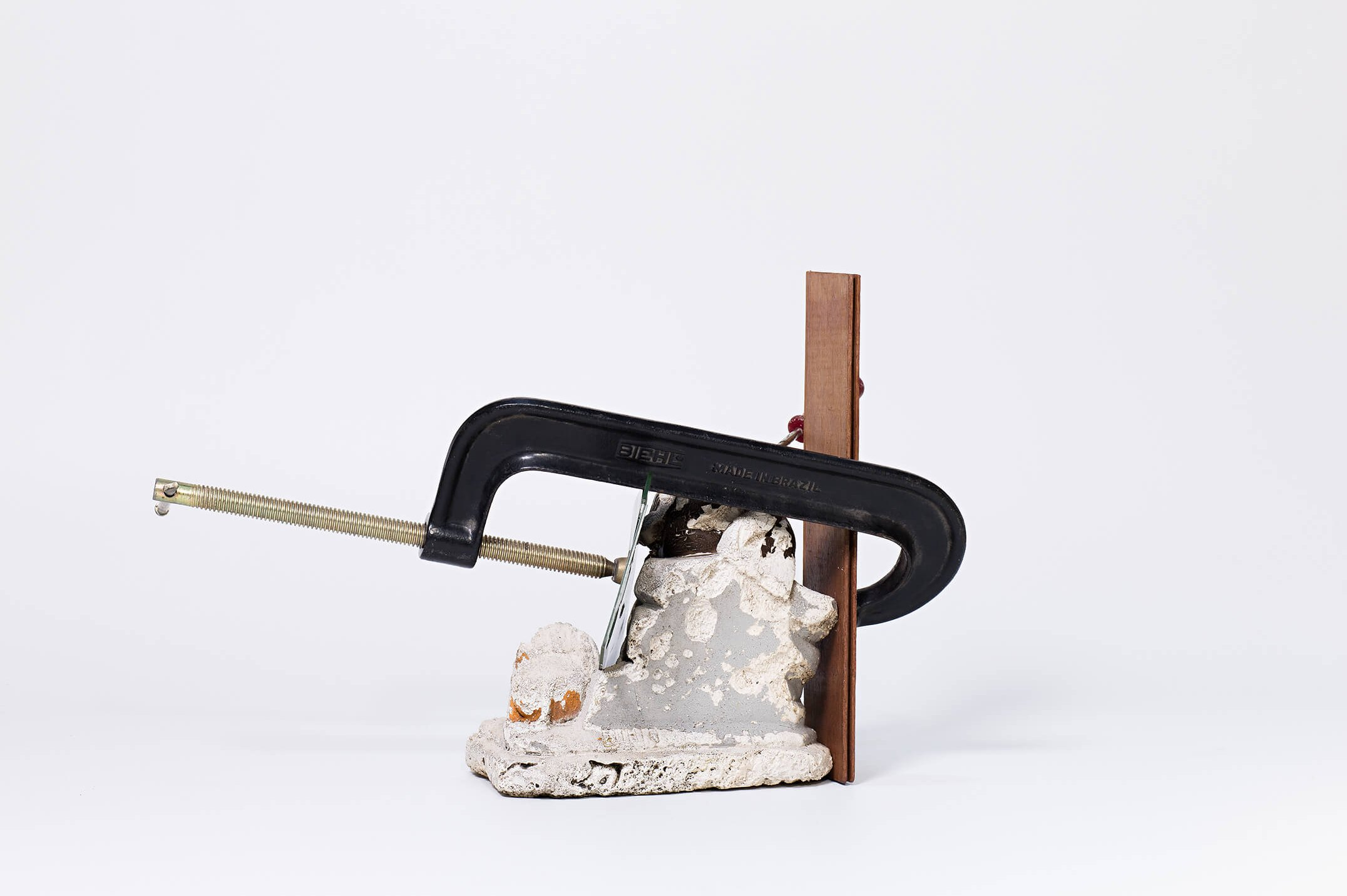 Deyson Gilbert, untitled, 2013, mixed media, 30,5 × 45 × 30,5 cm - Mendes Wood DM