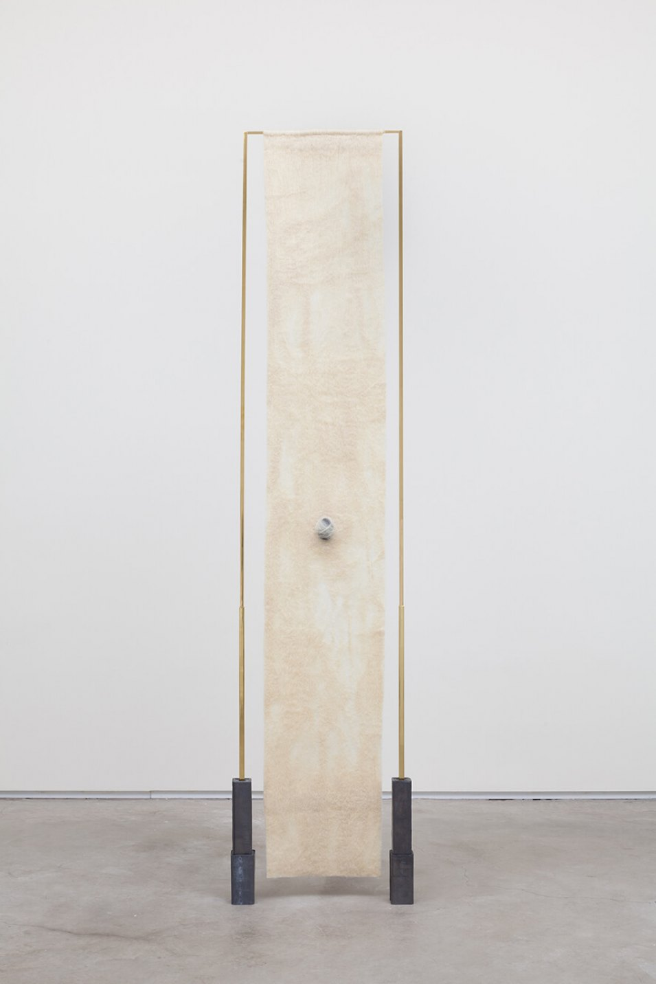 Paloma Bosquê, <em>Gap</em>, 2016, lead sheet, brass rods, wool felted by hand and dyed bee wax shaped in egg form, 189,5 × 38,5 × 5,5 cm - Mendes Wood DM