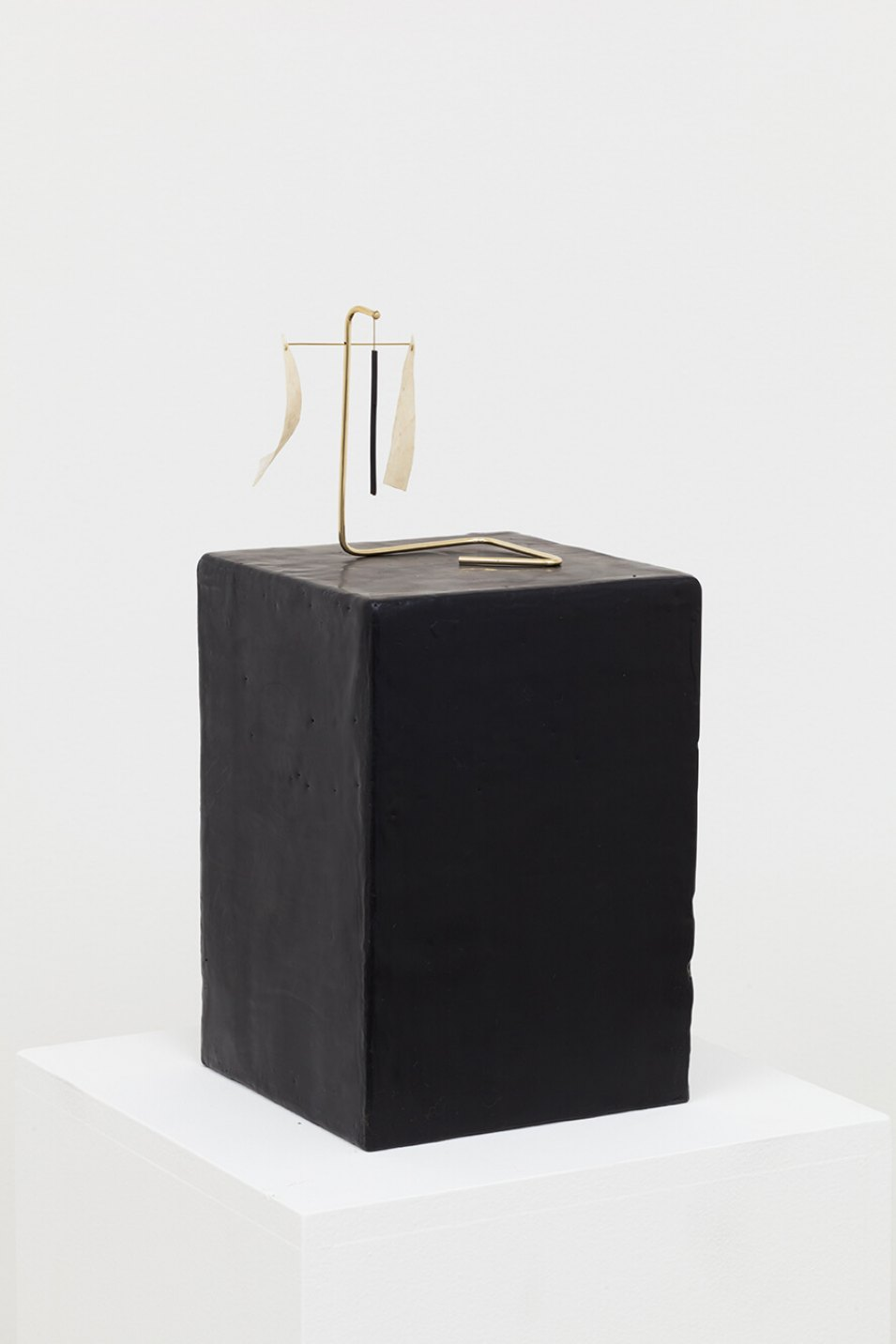 Paloma Bosquê, <em>Piece #2</em>, 2016, dyed bee wax shaped in block form, brass rods and charcoal and goat leather, 24 × 17 × 17 cm (block) | 11,5 × 13 × 8 cm (piece) - Mendes Wood DM