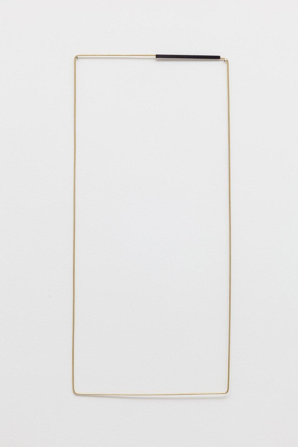 Paloma Bosquê,<em>Field</em>, 2016, brass rods and black thread, 70 × 32 cm - Mendes Wood DM