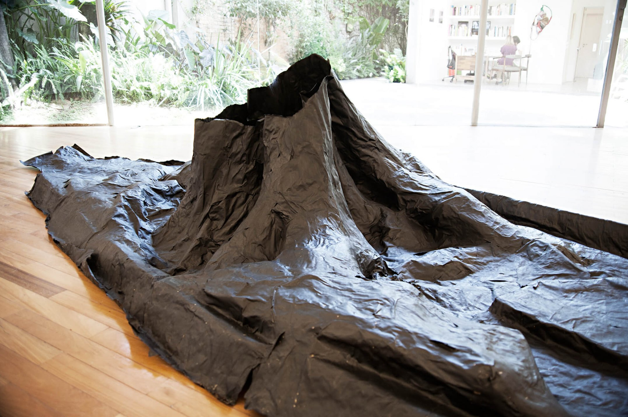 Mariana Castillo Deball, <em>Tree Trap Sao Paulo</em>, 2013, paper squeeze, black cotton paper, 69 × 190 × 400 cm - Mendes Wood DM