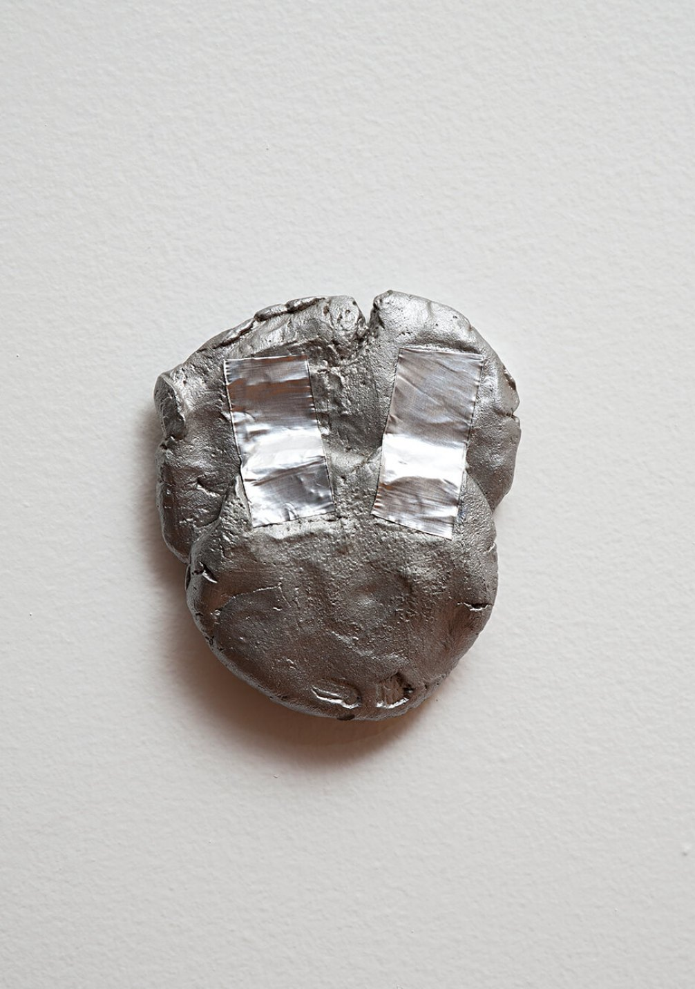Paulo Monteiro,<i>&nbsp;untitled</i>,&nbsp;2011, aluminium and aluminum tape, 13 ×&nbsp;11 × 2 cm - Mendes Wood DM