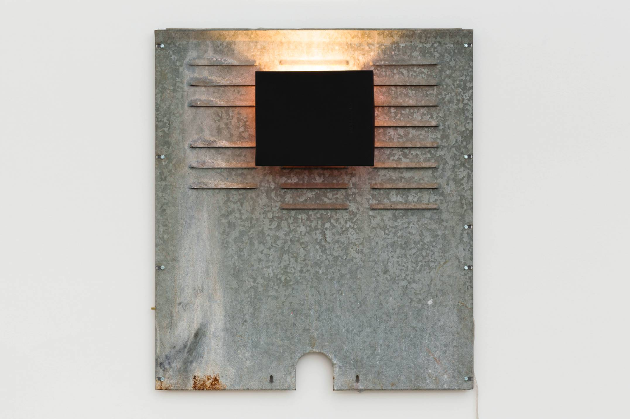 Aki Sasamoto, <em>Shoebox Wall Sconce (anonymous black)</em>, 2016, shoebox lid, backboard of a used laundry machine, wall sconce, wood, LED light bulb and push button switch, 94 × 71,1 × 15,6 cm - Mendes Wood DM